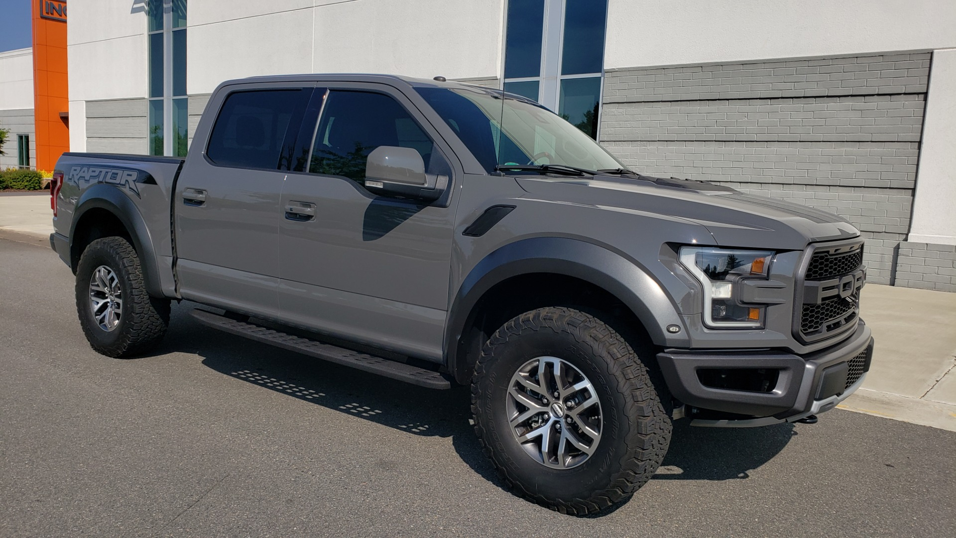 Used 2018 Ford F-150 RAPTOR 4X4 SUPERCREW / NAV / PANO-ROOF / REARVIEW for sale $69,999 at Formula Imports in Charlotte NC 28227 8