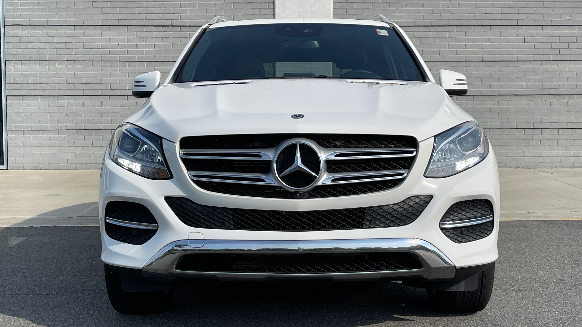 Used 2018 Mercedes-Benz GLE 350 4MATIC PREMIUM / NAV / SUNROOF / HTD STS / TRAILER HITCH / REARVIEW for sale $36,295 at Formula Imports in Charlotte NC 28227 15