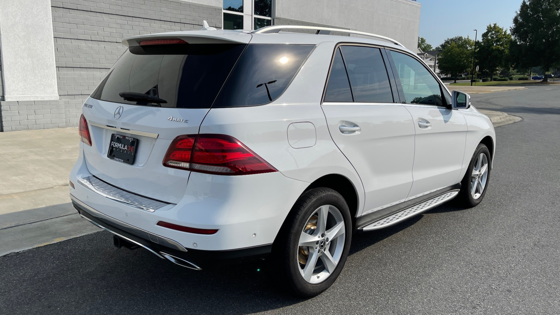 Used 2018 Mercedes-Benz GLE 350 4MATIC PREMIUM / NAV / SUNROOF / HTD STS / TRAILER HITCH / REARVIEW for sale $36,295 at Formula Imports in Charlotte NC 28227 2