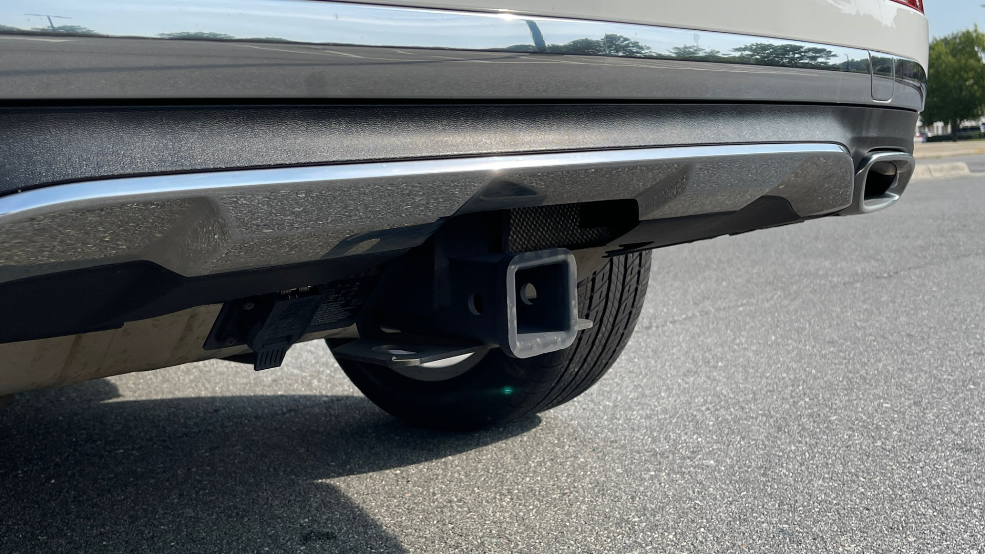 Used 2018 Mercedes-Benz GLE 350 4MATIC PREMIUM / NAV / SUNROOF / HTD STS / TRAILER HITCH / REARVIEW for sale $36,295 at Formula Imports in Charlotte NC 28227 25