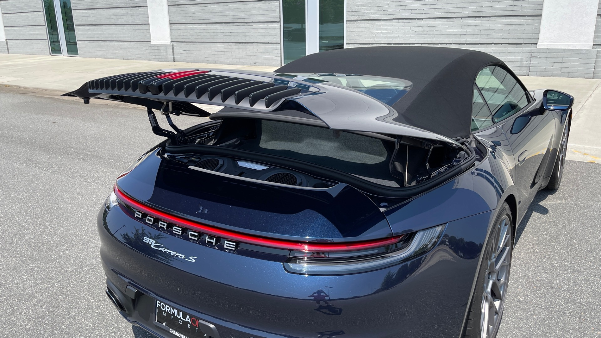 Used 2020 Porsche 911 CARRERA S CABRIOLET PREMIUM SPORT / LCA / ACC / BOSE / REARVIEW for sale $159,995 at Formula Imports in Charlotte NC 28227 29