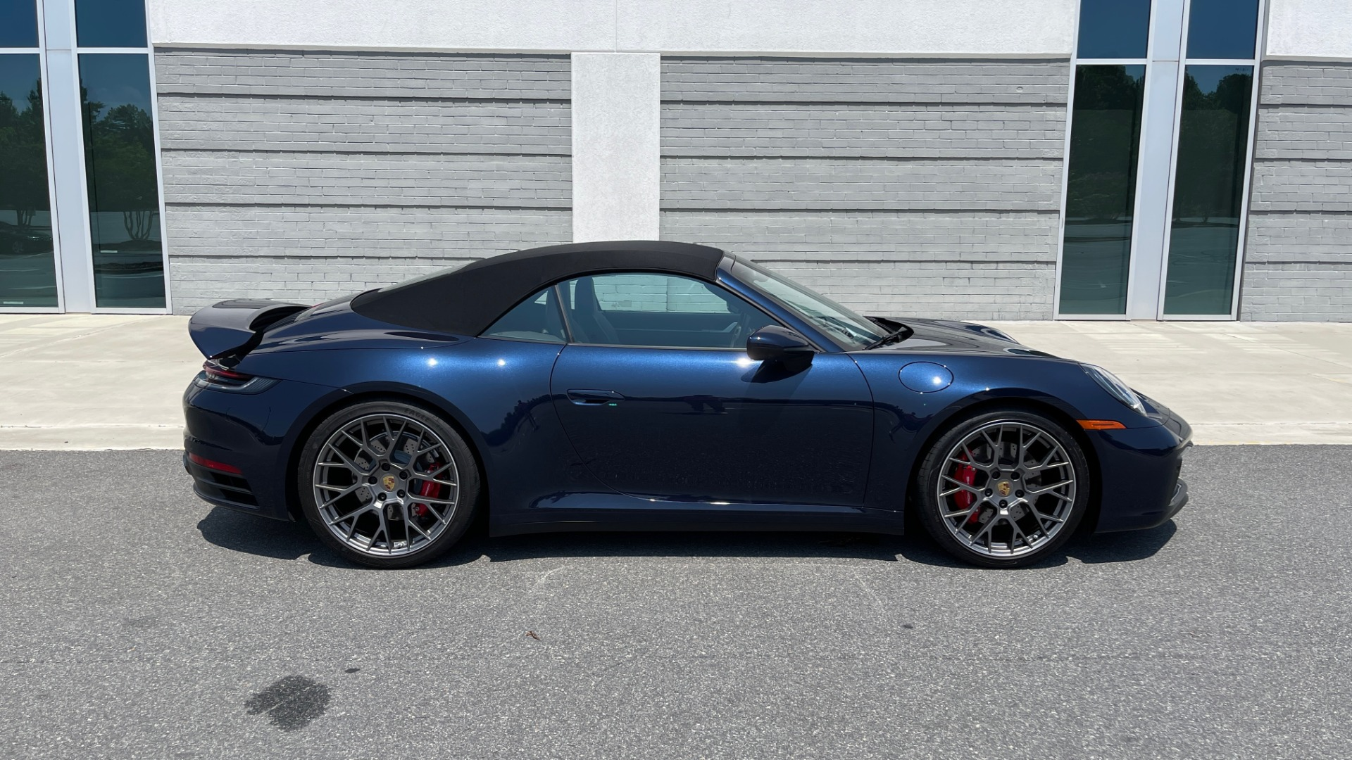 Used 2020 Porsche 911 CARRERA S CABRIOLET PREMIUM SPORT / LCA / ACC / BOSE / REARVIEW for sale $159,995 at Formula Imports in Charlotte NC 28227 7