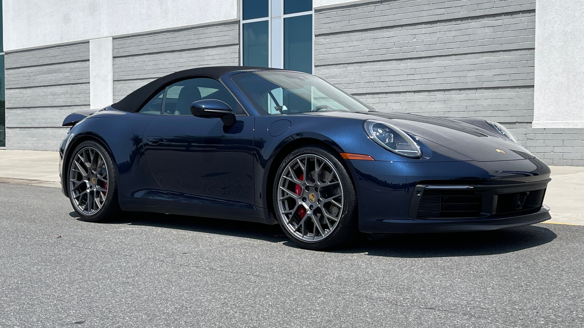 Used 2020 Porsche 911 CARRERA S CABRIOLET PREMIUM SPORT / LCA / ACC / BOSE / REARVIEW for sale $159,995 at Formula Imports in Charlotte NC 28227 8