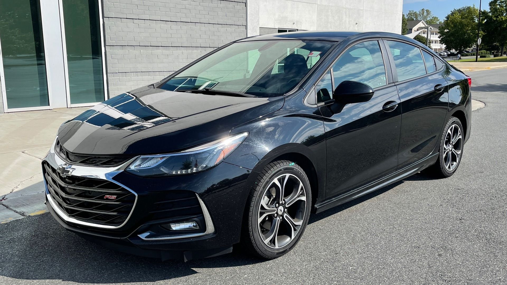 Used 2019 Chevrolet CRUZE LT / 1.4L TURBO / 6-SPD AUTO / AIR CONDITIONING / REARVIEW for sale $18,495 at Formula Imports in Charlotte NC 28227 2