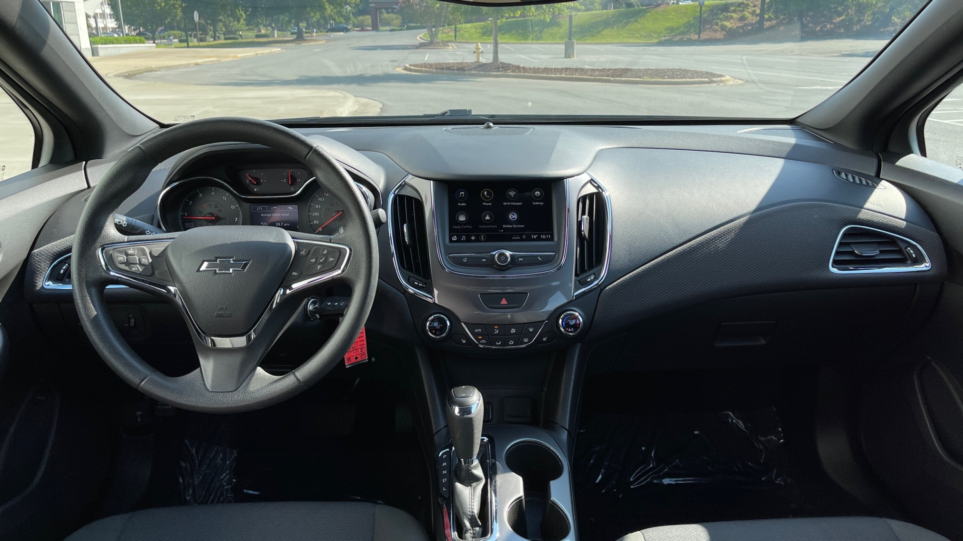 Used 2019 Chevrolet CRUZE LT / 1.4L TURBO / 6-SPD AUTO / AIR CONDITIONING / REARVIEW for sale $18,495 at Formula Imports in Charlotte NC 28227 40