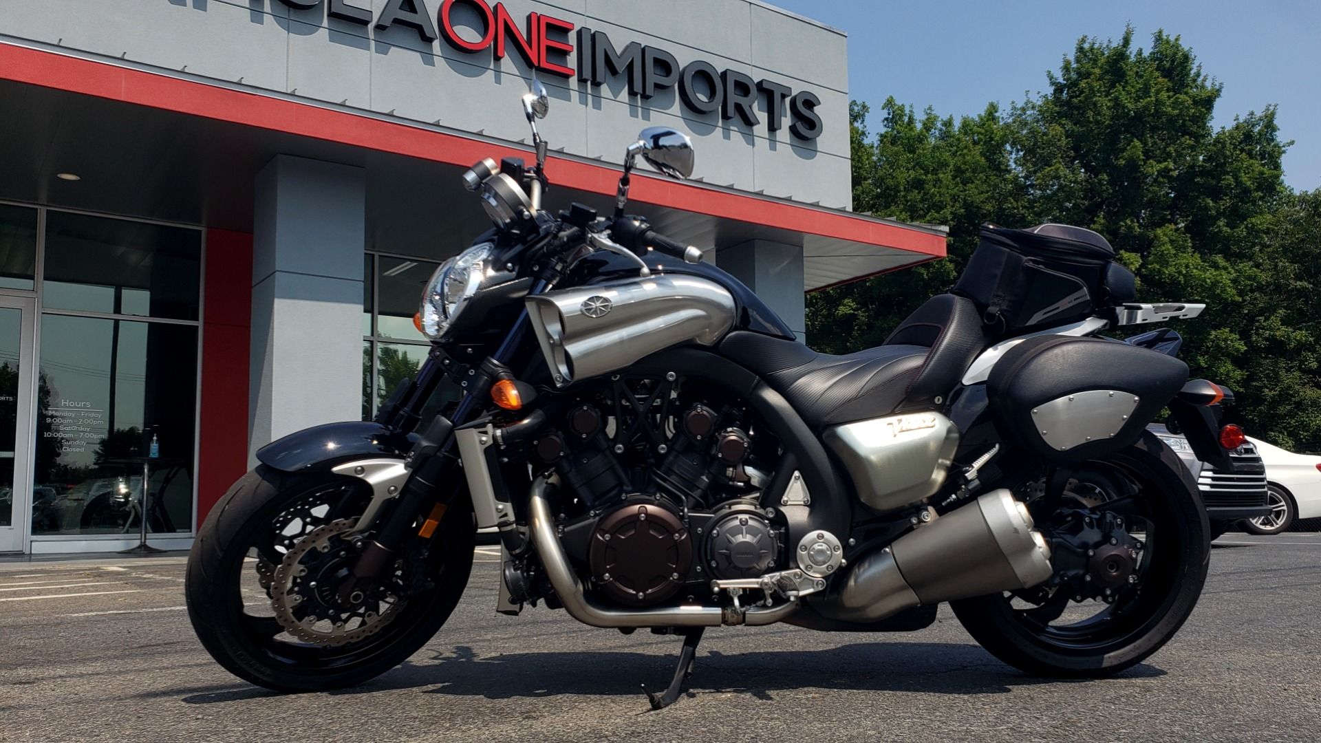 Used 2009 Yamaha V-MAX MOTORCYCLE / SPORT CRUISER / 18K MILES / SUPER CLEAN! for sale $9,500 at Formula Imports in Charlotte NC 28227 1