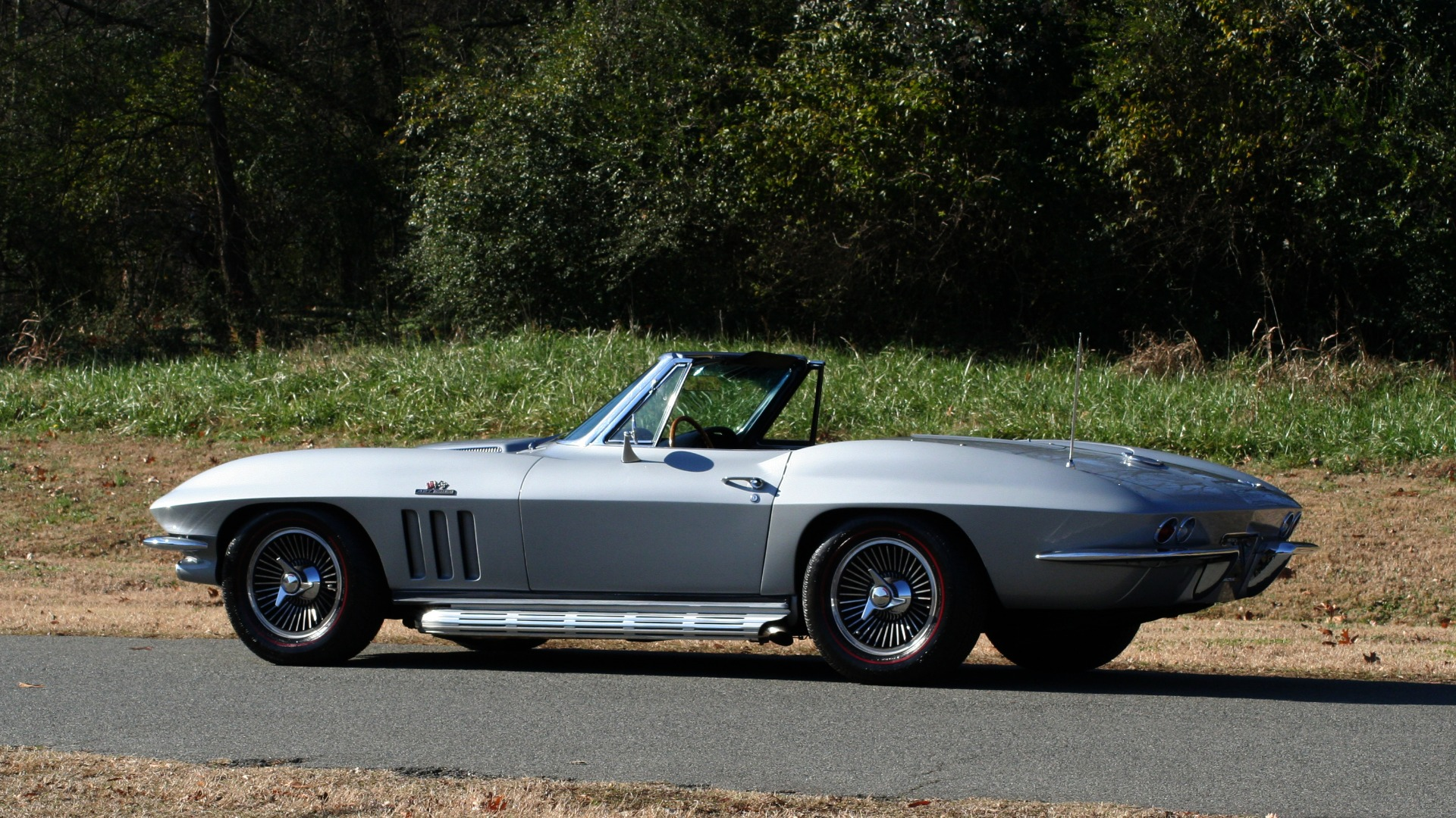 Used 1966 Chevrolet CORVETTE STINGRAY CONVERTIBLE 427 / 4-SPD / NUMBER MATCHING for sale Sold at Formula Imports in Charlotte NC 28227 4