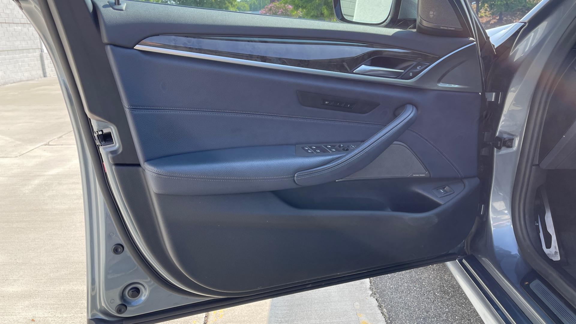 Used 2018 BMW 5 SERIES 540I XDRIVE M-SPORT / DRVR ASST / PDC / APPLE / HUD / H/K SND for sale $42,795 at Formula Imports in Charlotte NC 28227 25