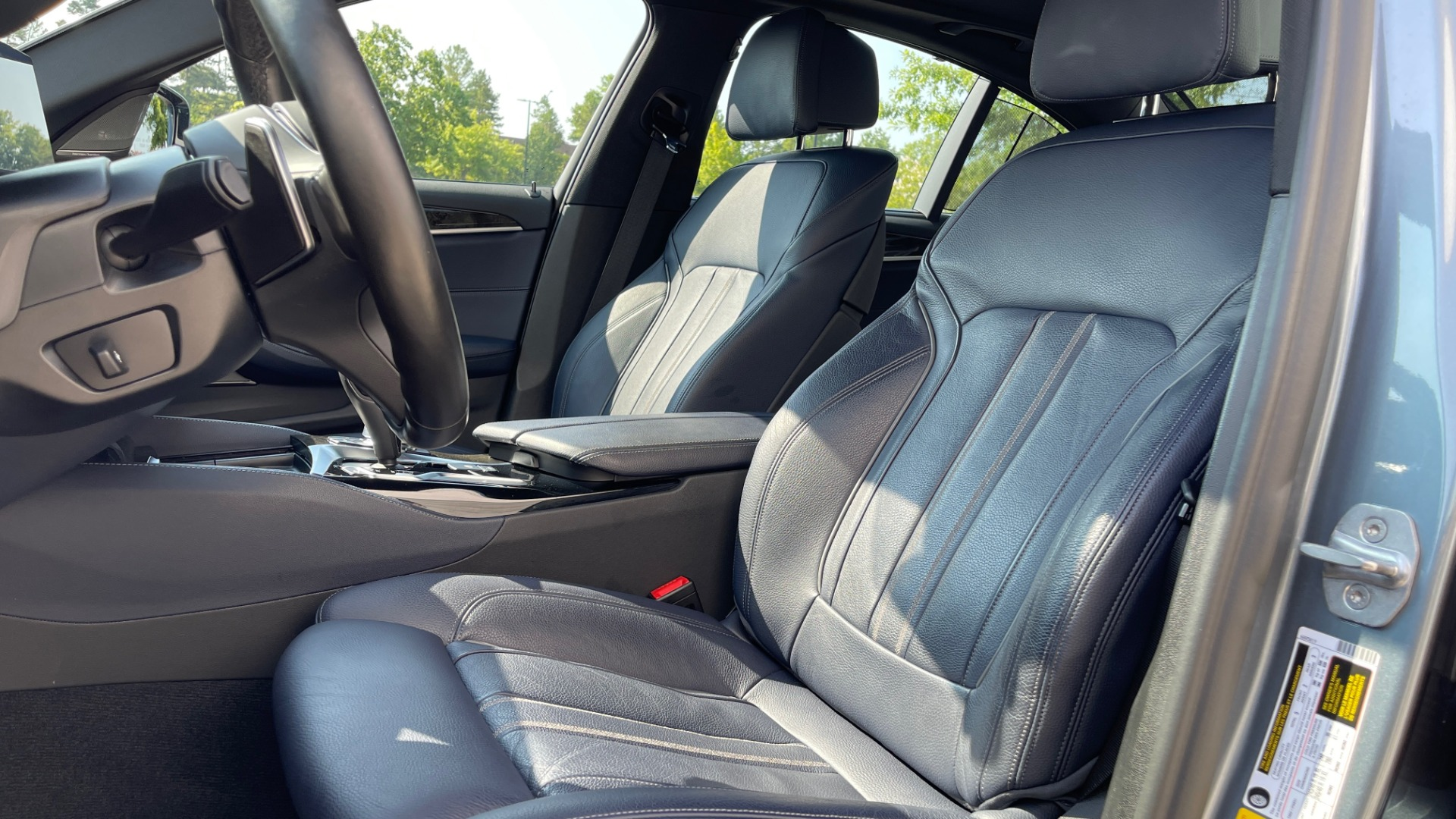 Used 2018 BMW 5 SERIES 540I XDRIVE M-SPORT / DRVR ASST / PDC / APPLE / HUD / H/K SND for sale $42,795 at Formula Imports in Charlotte NC 28227 29