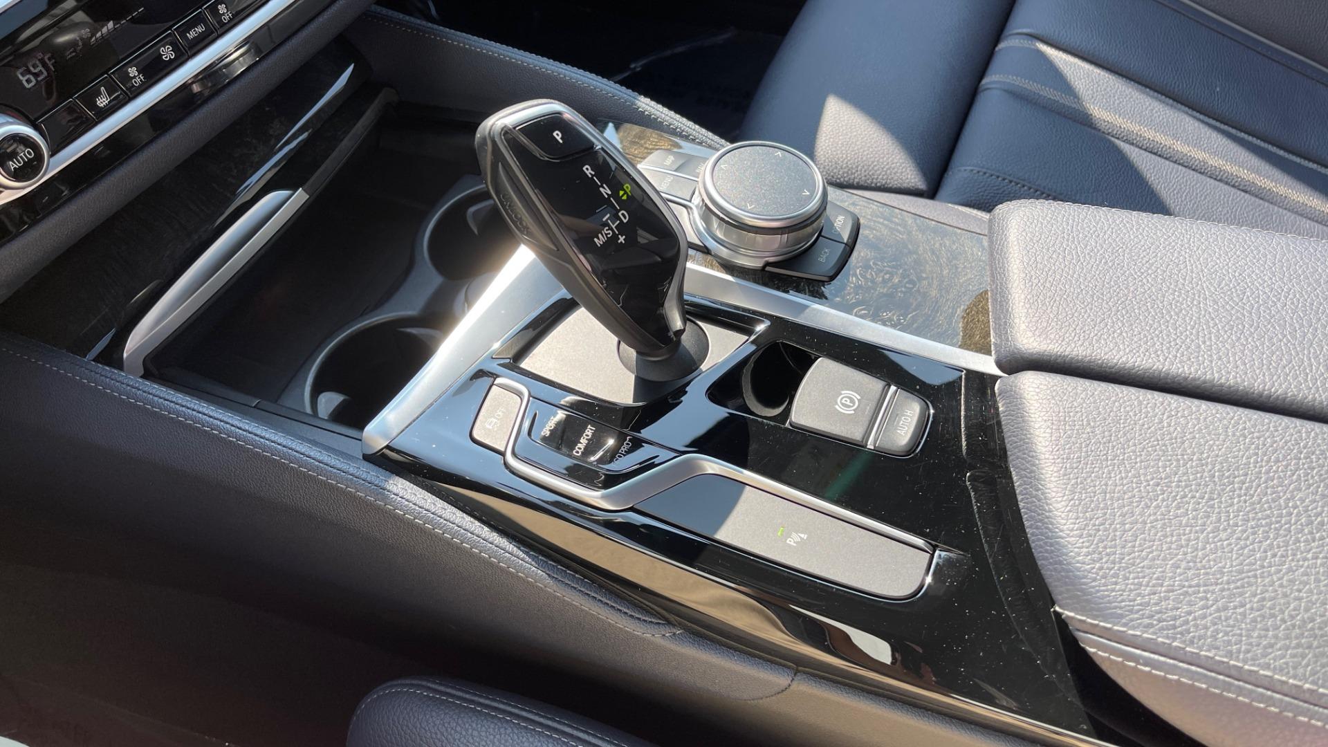Used 2018 BMW 5 SERIES 540I XDRIVE M-SPORT / DRVR ASST / PDC / APPLE / HUD / H/K SND for sale $42,795 at Formula Imports in Charlotte NC 28227 48