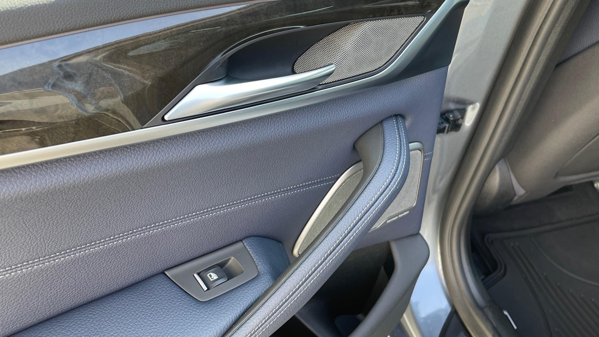 Used 2018 BMW 5 SERIES 540I XDRIVE M-SPORT / DRVR ASST / PDC / APPLE / HUD / H/K SND for sale $42,795 at Formula Imports in Charlotte NC 28227 51
