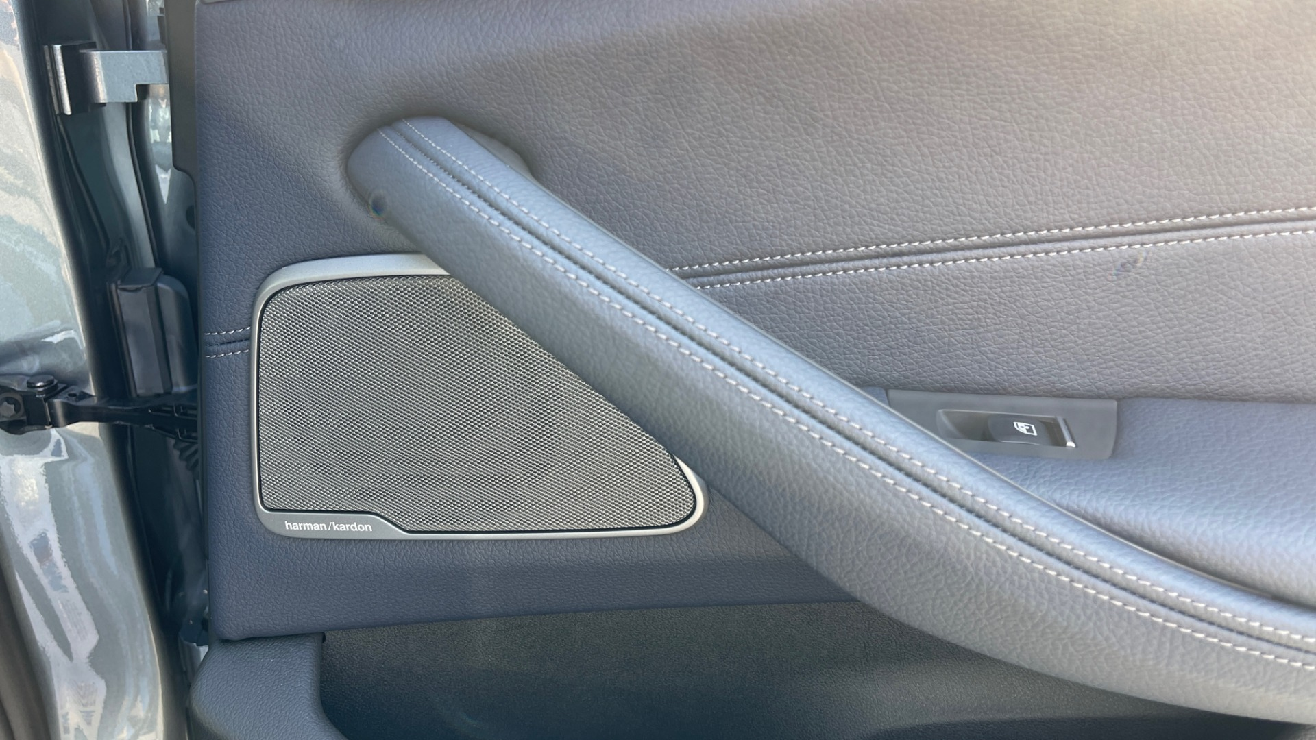 Used 2018 BMW 5 SERIES 540I XDRIVE M-SPORT / DRVR ASST / PDC / APPLE / HUD / H/K SND for sale $42,795 at Formula Imports in Charlotte NC 28227 59