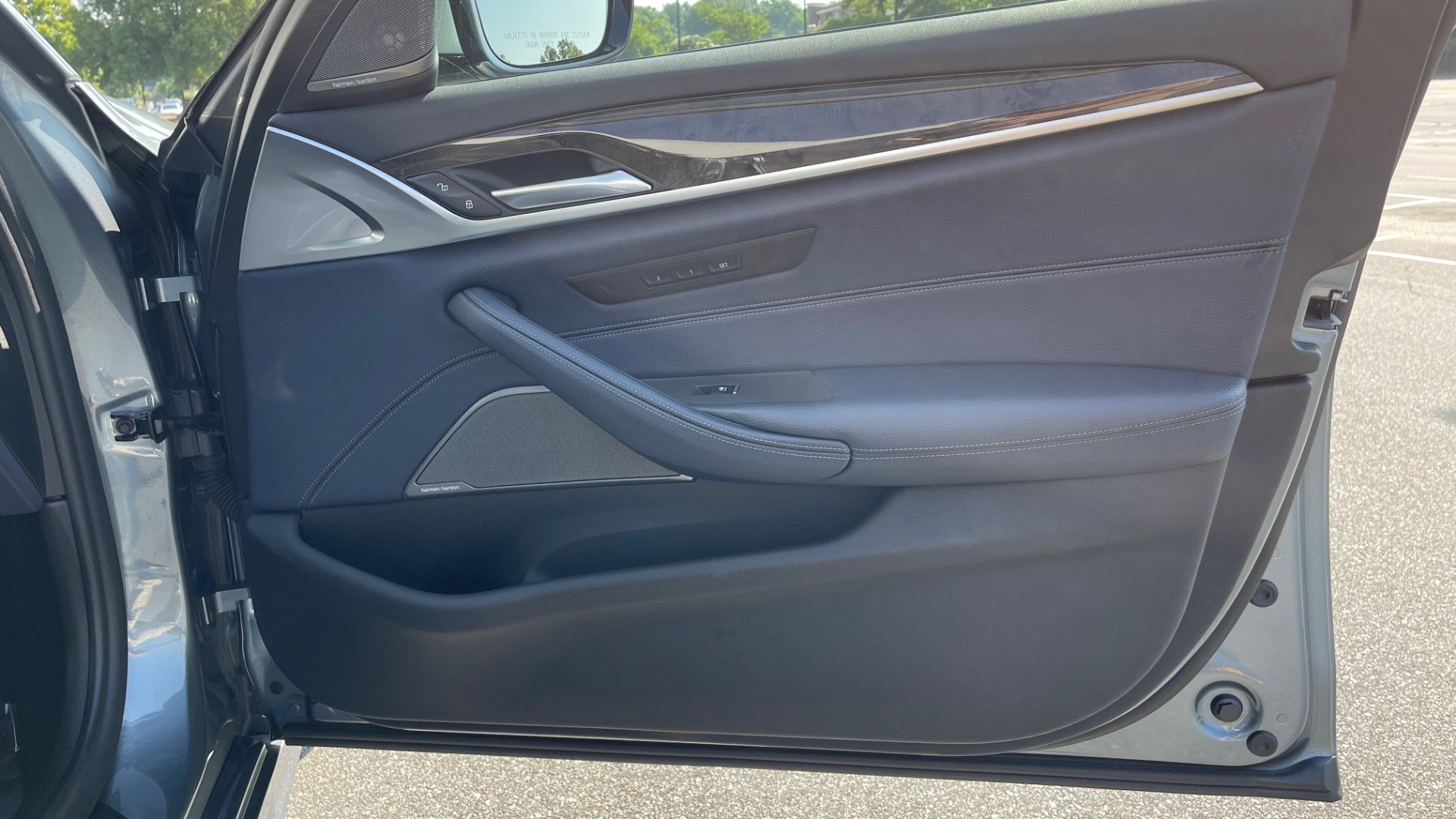 Used 2018 BMW 5 SERIES 540I XDRIVE M-SPORT / DRVR ASST / PDC / APPLE / HUD / H/K SND for sale $42,795 at Formula Imports in Charlotte NC 28227 64