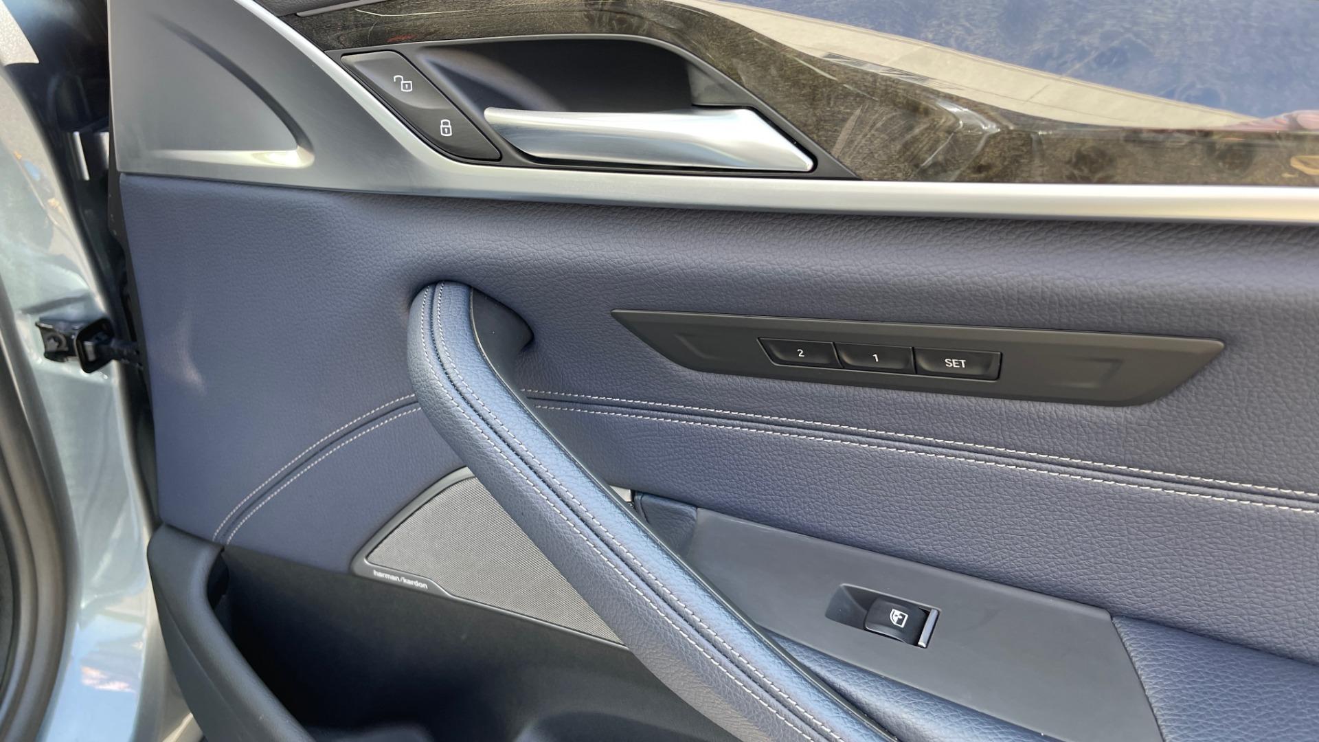 Used 2018 BMW 5 SERIES 540I XDRIVE M-SPORT / DRVR ASST / PDC / APPLE / HUD / H/K SND for sale $42,795 at Formula Imports in Charlotte NC 28227 65