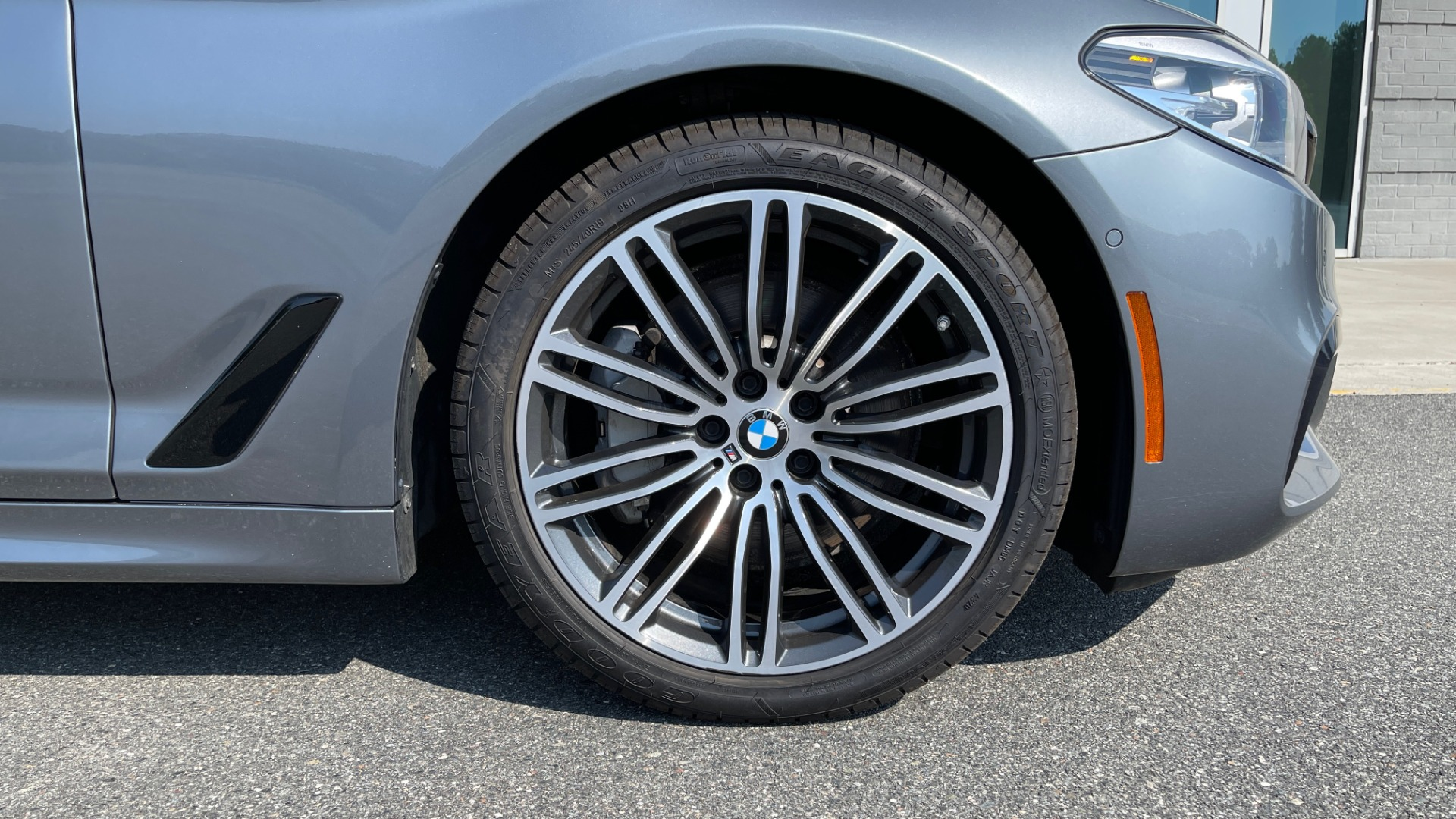 Used 2018 BMW 5 SERIES 540I XDRIVE M-SPORT / DRVR ASST / PDC / APPLE / HUD / H/K SND for sale $42,795 at Formula Imports in Charlotte NC 28227 72