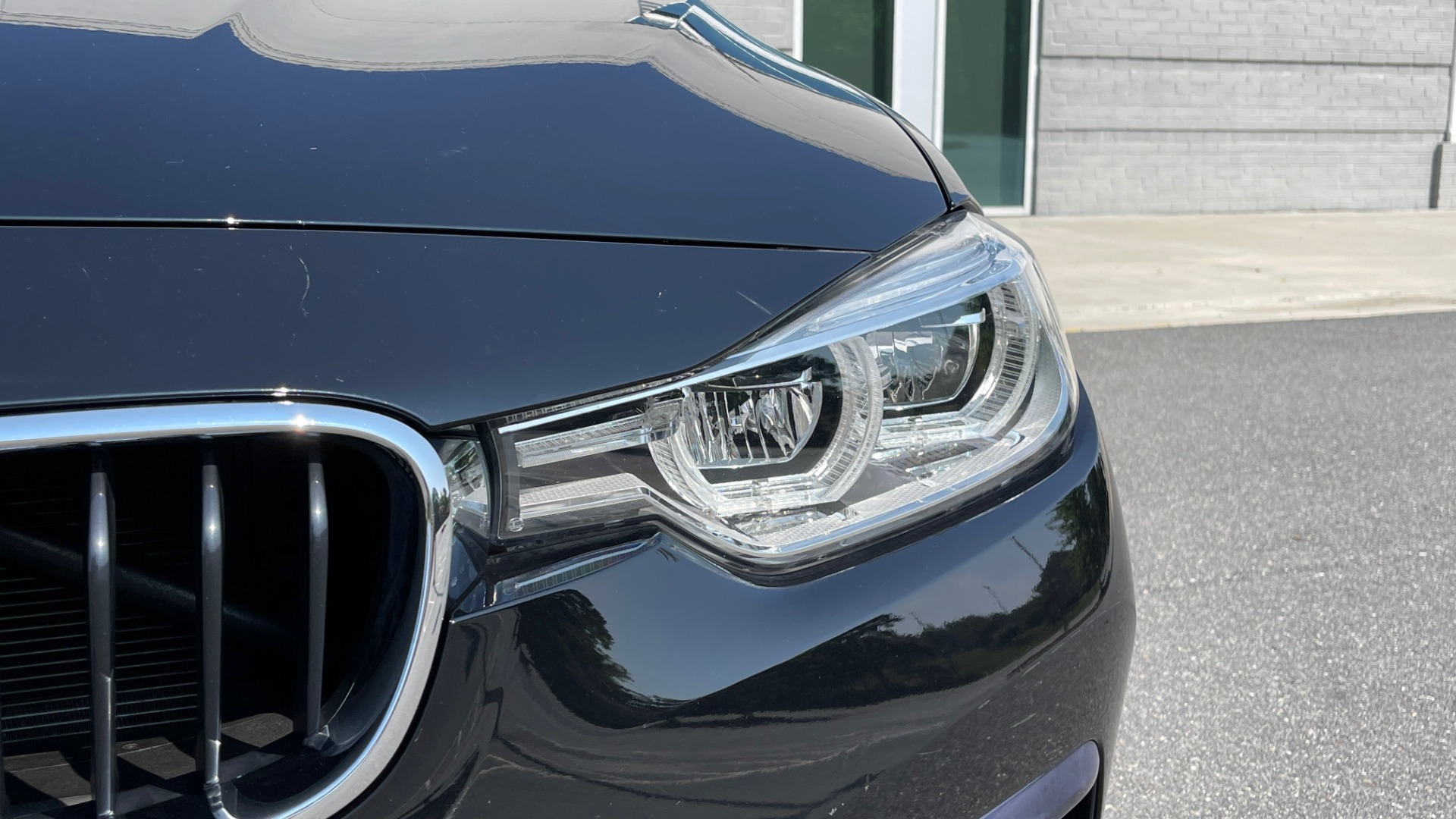 Used 2018 BMW 3 SERIES 330I XDRIVE / CONV PKG / SUNROOF / HTD STS / ABSD / REARVIEW for sale $30,695 at Formula Imports in Charlotte NC 28227 13