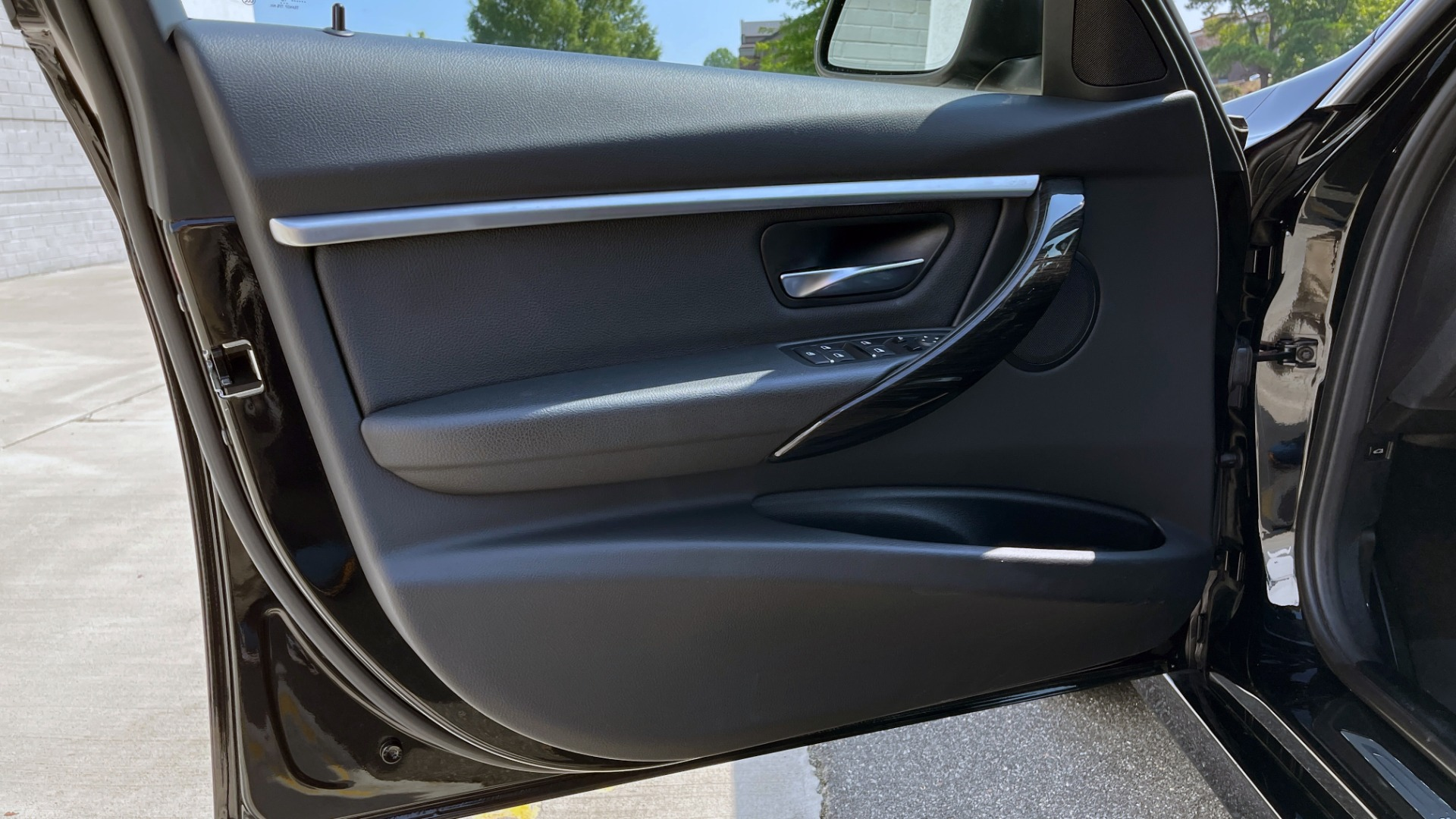 Used 2018 BMW 3 SERIES 330I XDRIVE / CONV PKG / SUNROOF / HTD STS / ABSD / REARVIEW for sale $30,695 at Formula Imports in Charlotte NC 28227 27