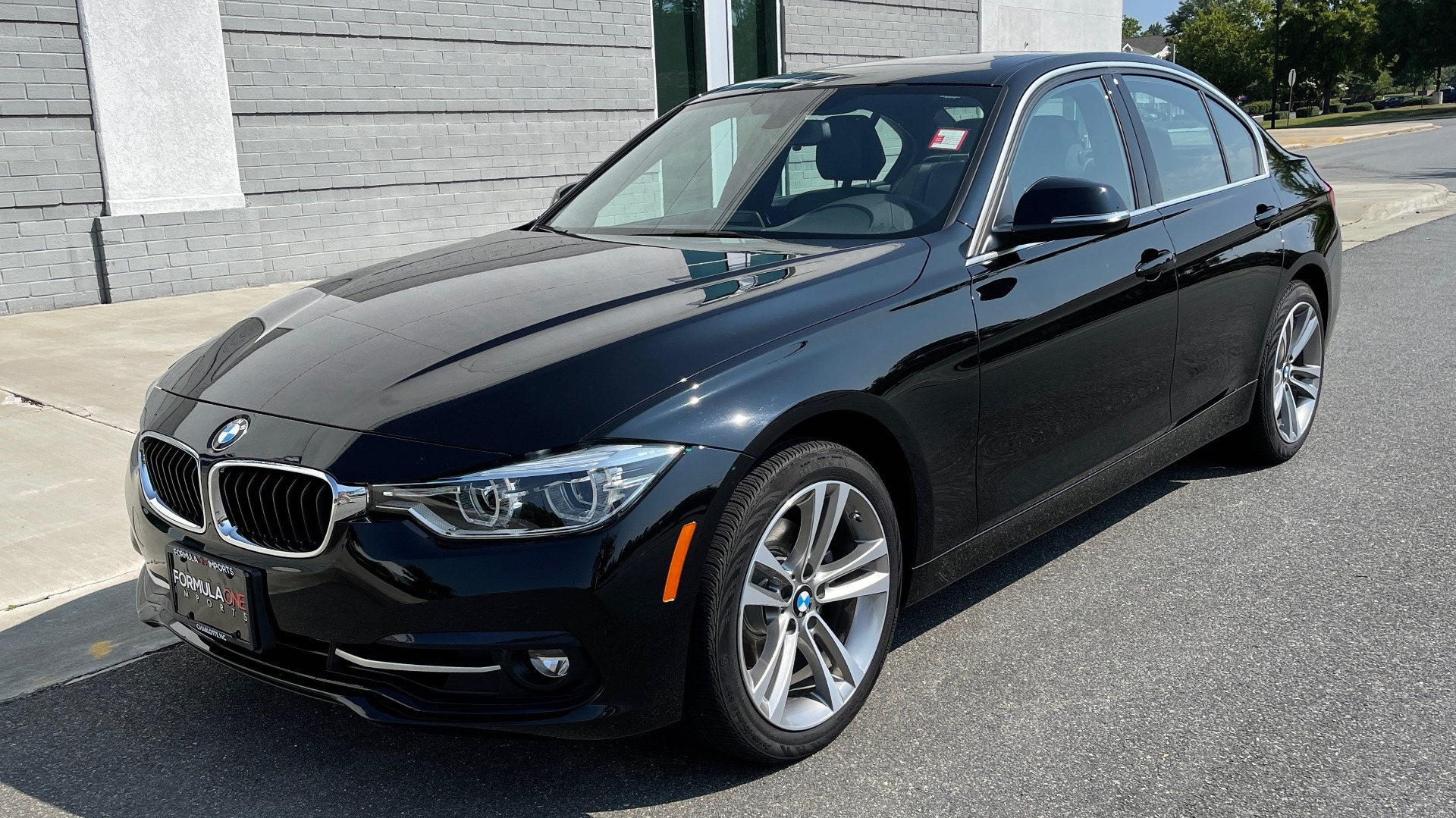 Used 2018 BMW 3 SERIES 330I XDRIVE / CONV PKG / SUNROOF / HTD STS / ABSD / REARVIEW for sale $30,695 at Formula Imports in Charlotte NC 28227 3