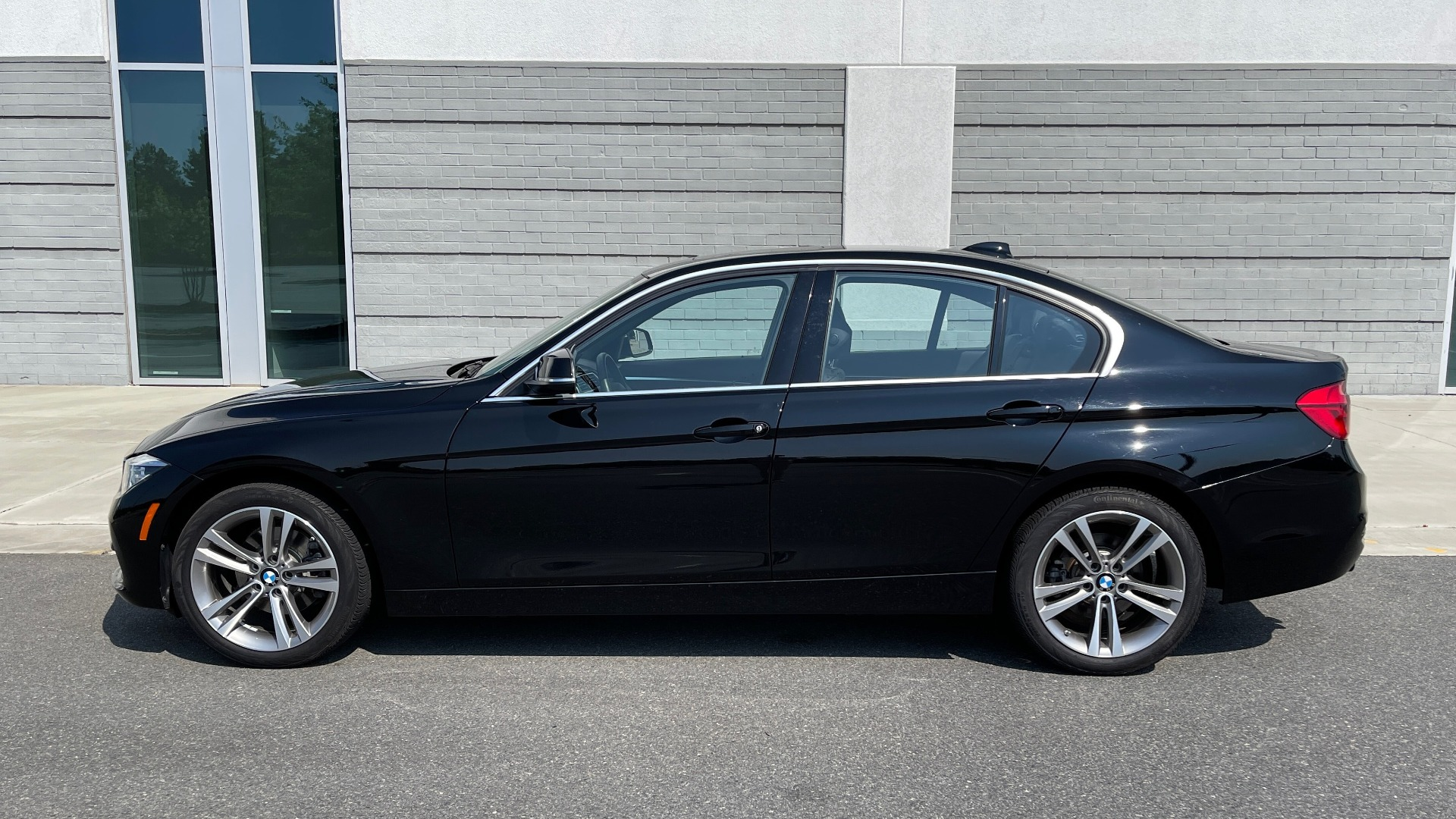 Used 2018 BMW 3 SERIES 330I XDRIVE / CONV PKG / SUNROOF / HTD STS / ABSD / REARVIEW for sale $30,695 at Formula Imports in Charlotte NC 28227 4