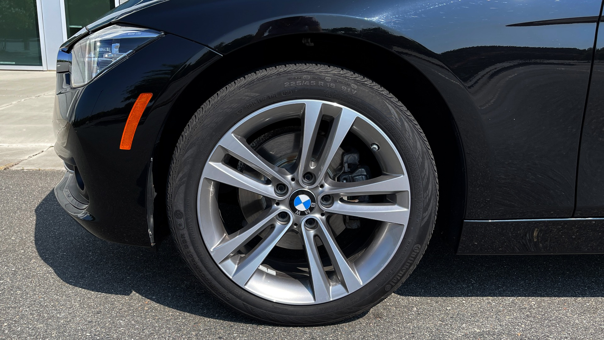 Used 2018 BMW 3 SERIES 330I XDRIVE / CONV PKG / SUNROOF / HTD STS / ABSD / REARVIEW for sale $30,695 at Formula Imports in Charlotte NC 28227 71