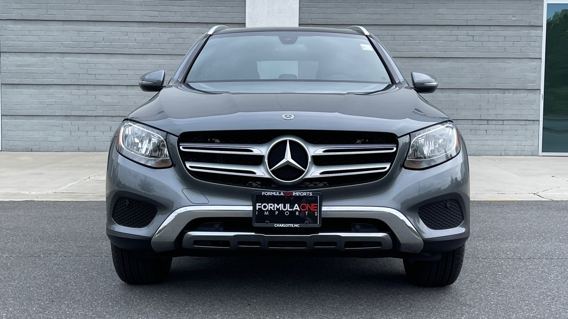 Used 2018 Mercedes-Benz GLC 300 4MATIC PREMIUM / PANO-ROOF / HTD STS / APPLE / REARVIEW for sale $34,295 at Formula Imports in Charlotte NC 28227 13