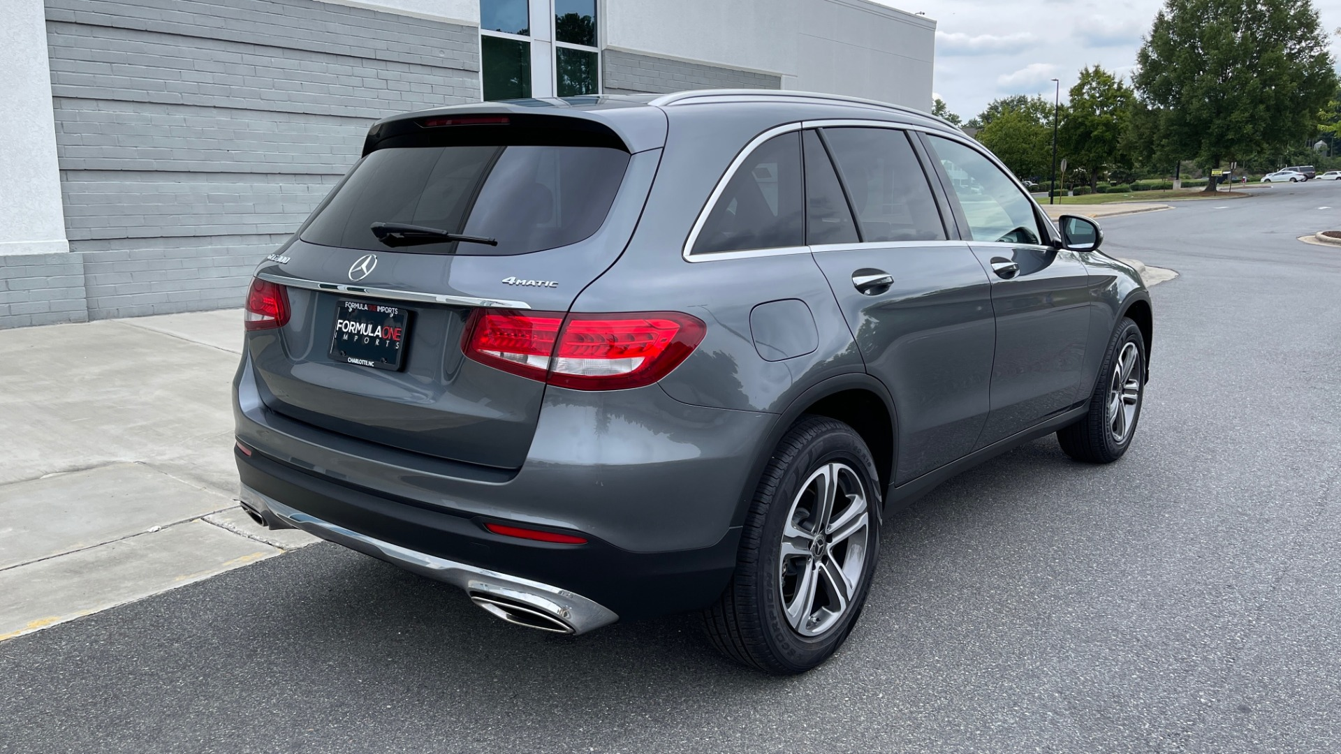 Used 2018 Mercedes-Benz GLC 300 4MATIC PREMIUM / PANO-ROOF / HTD STS / APPLE / REARVIEW for sale $34,295 at Formula Imports in Charlotte NC 28227 2