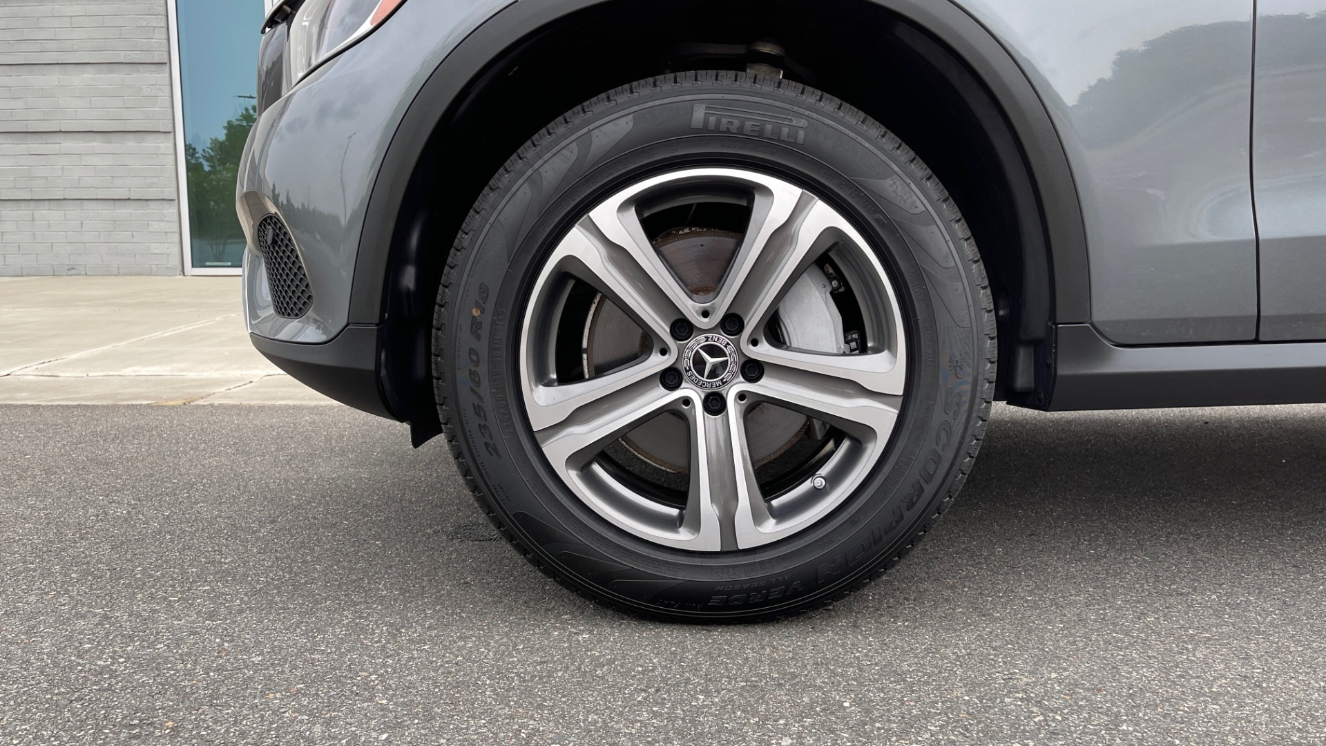 Used 2018 Mercedes-Benz GLC 300 4MATIC PREMIUM / PANO-ROOF / HTD STS / APPLE / REARVIEW for sale $34,295 at Formula Imports in Charlotte NC 28227 62