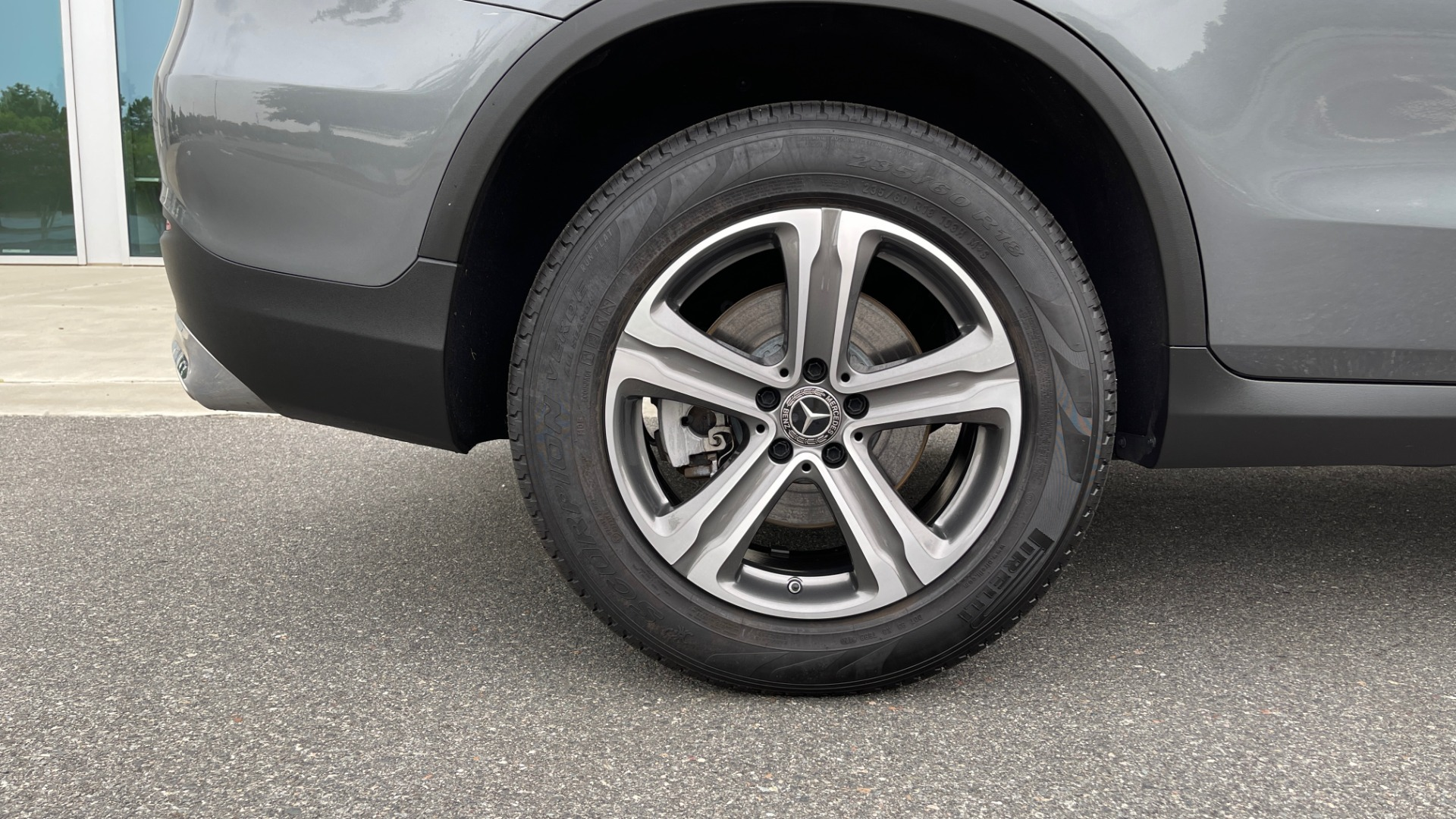 Used 2018 Mercedes-Benz GLC 300 4MATIC PREMIUM / PANO-ROOF / HTD STS / APPLE / REARVIEW for sale $34,295 at Formula Imports in Charlotte NC 28227 64
