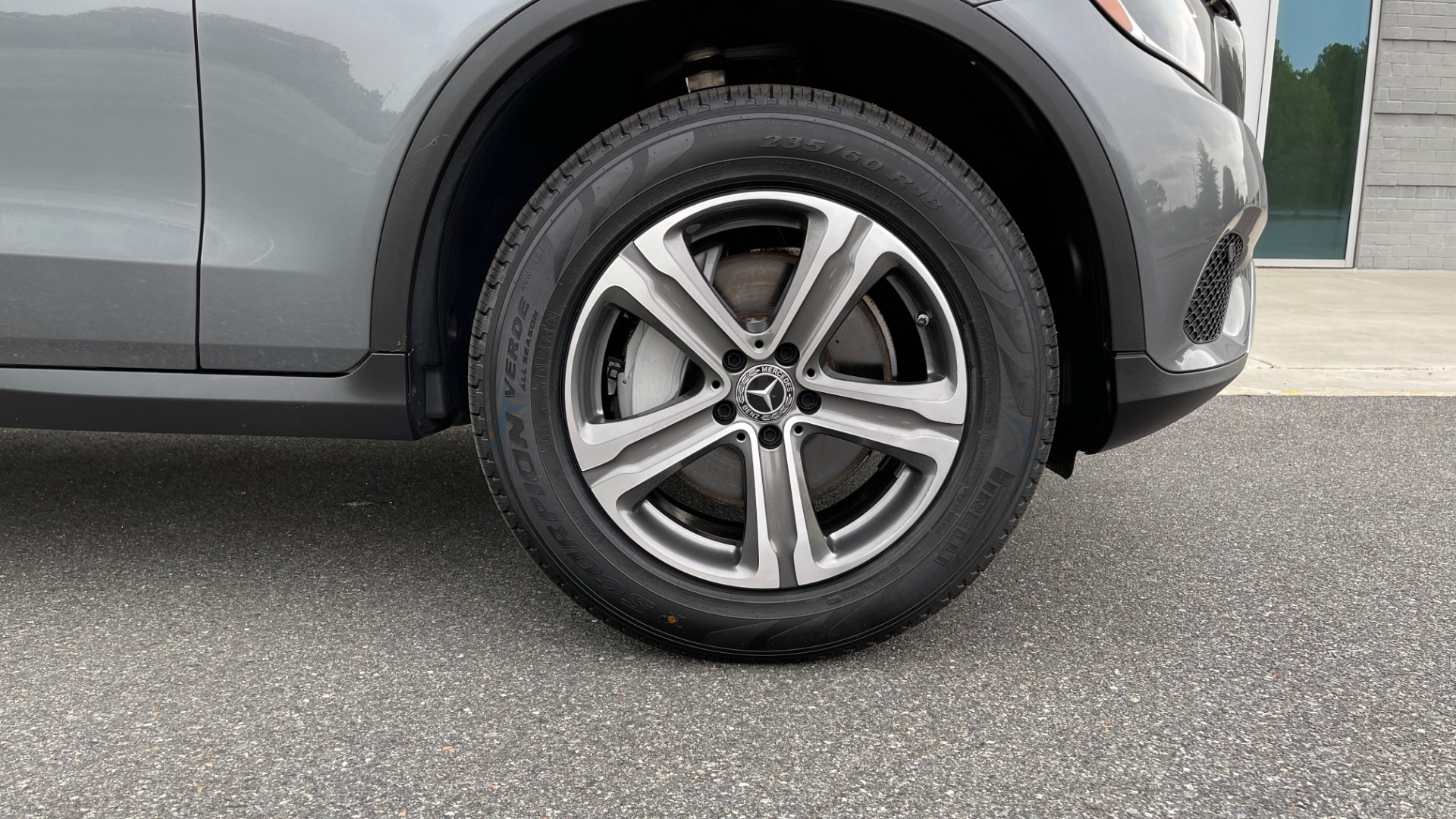 Used 2018 Mercedes-Benz GLC 300 4MATIC PREMIUM / PANO-ROOF / HTD STS / APPLE / REARVIEW for sale $34,295 at Formula Imports in Charlotte NC 28227 65
