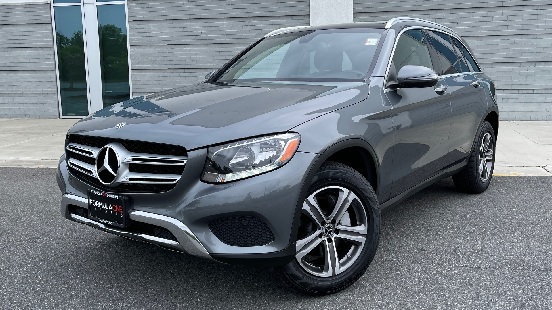 Used 2018 Mercedes-Benz GLC 300 4MATIC PREMIUM / PANO-ROOF / HTD STS / APPLE / REARVIEW for sale $34,295 at Formula Imports in Charlotte NC 28227 1