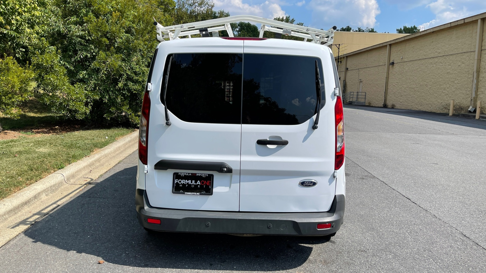 Used 2015 Ford TRANSIT CONNECT XLT CARGO VAN LWB / 2.5L 4-CYL / 6-SPD AUTO / ROOF RACK for sale $15,199 at Formula Imports in Charlotte NC 28227 15