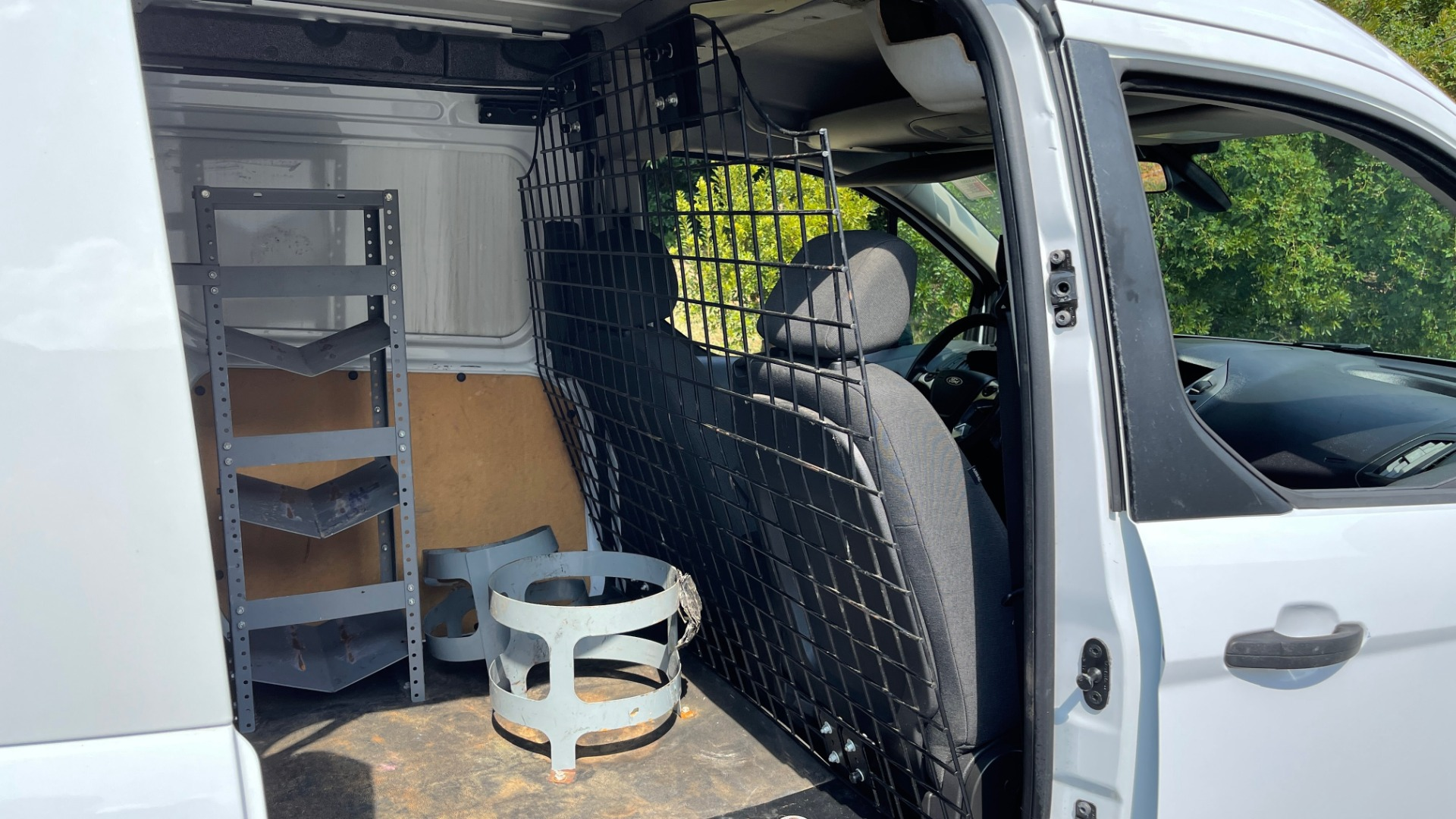 Used 2015 Ford TRANSIT CONNECT XLT CARGO VAN LWB / 2.5L 4-CYL / 6-SPD AUTO / ROOF RACK for sale $15,199 at Formula Imports in Charlotte NC 28227 54