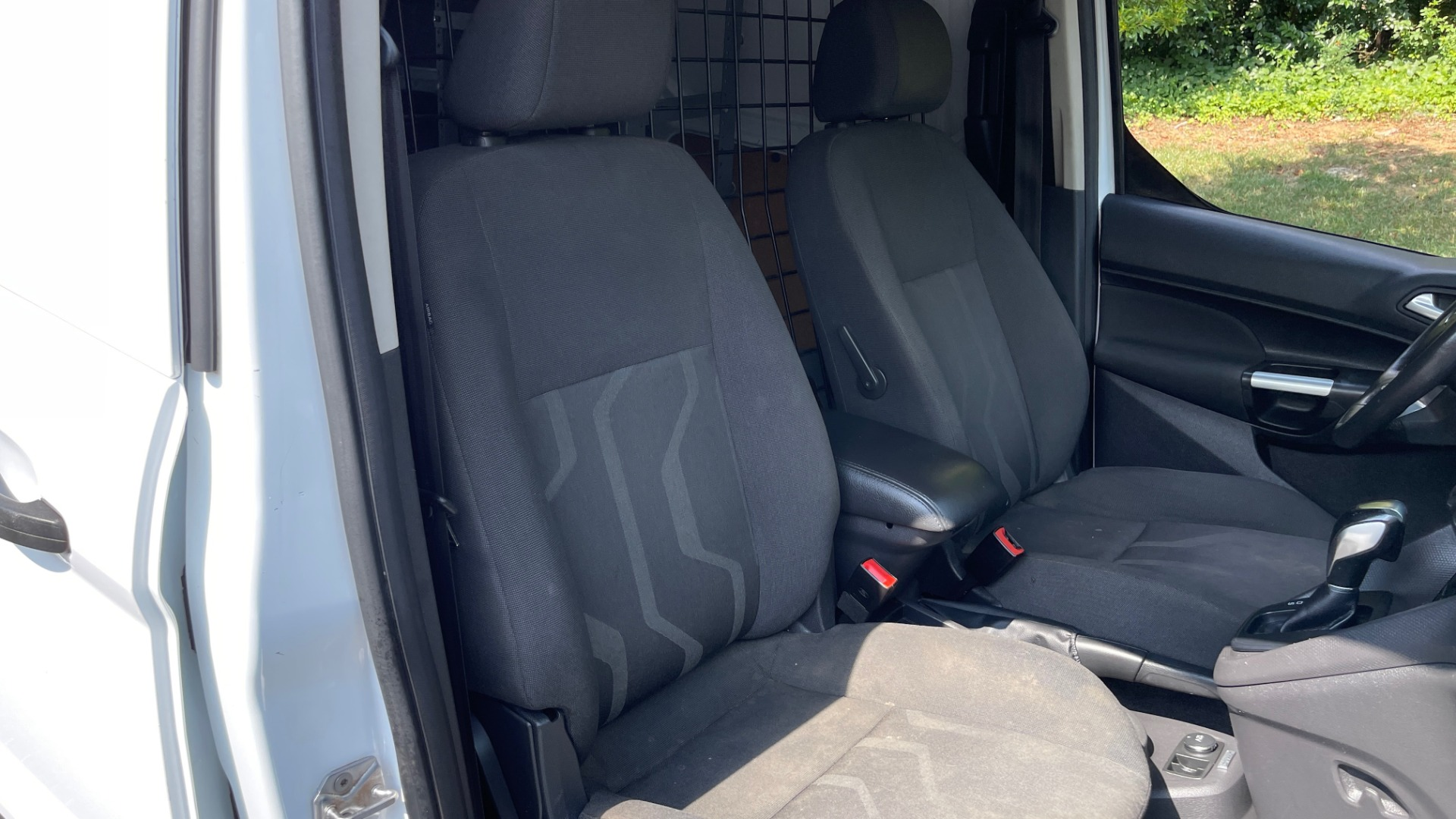 Used 2015 Ford TRANSIT CONNECT XLT CARGO VAN LWB / 2.5L 4-CYL / 6-SPD AUTO / ROOF RACK for sale $15,199 at Formula Imports in Charlotte NC 28227 58
