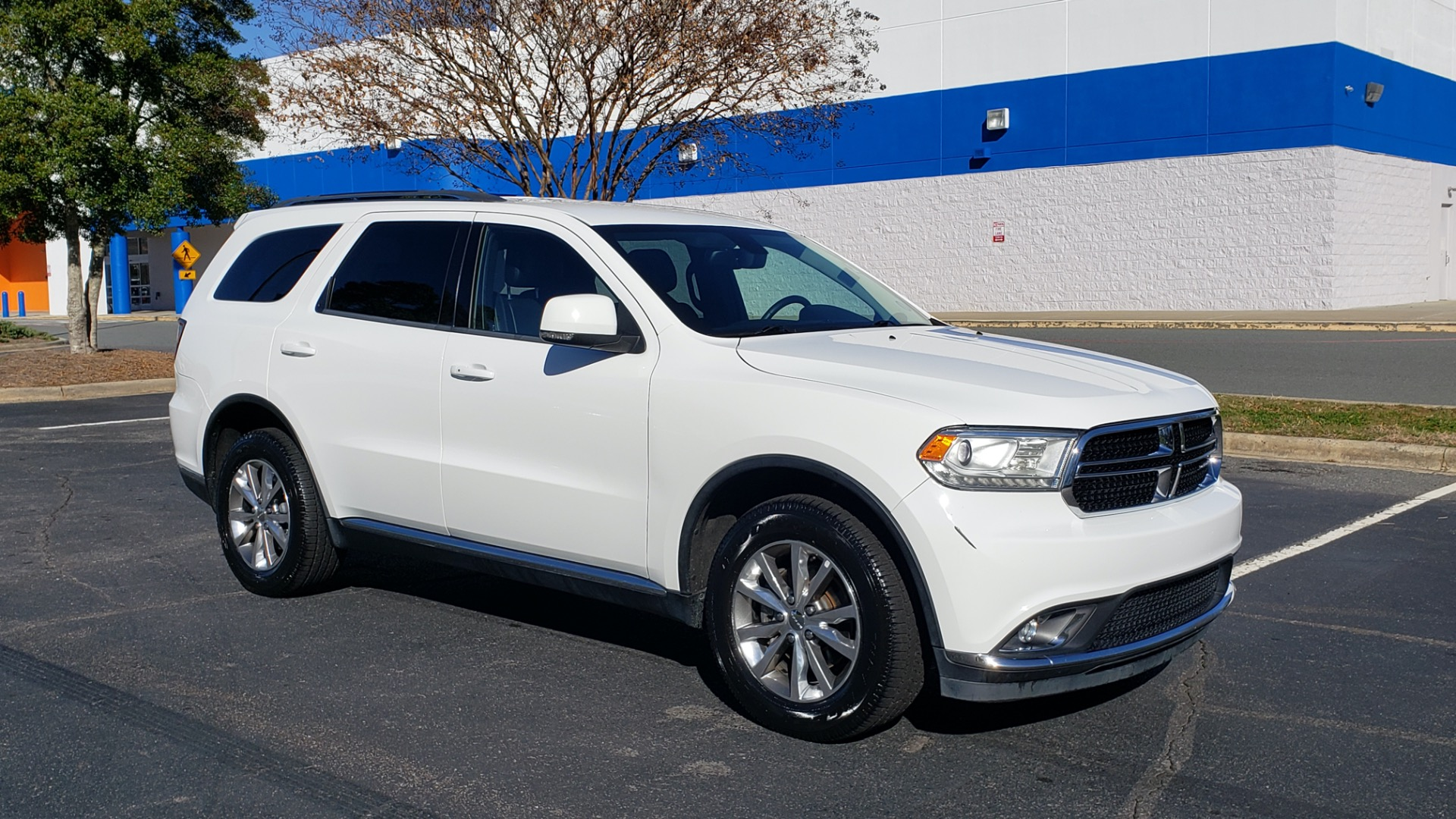 Used 2015 Dodge DURANGO LIMITED AWD / 3.6L V6 / 8-SPD AUTO / 3-ROW / REARVIEW for sale Sold at Formula Imports in Charlotte NC 28227 11