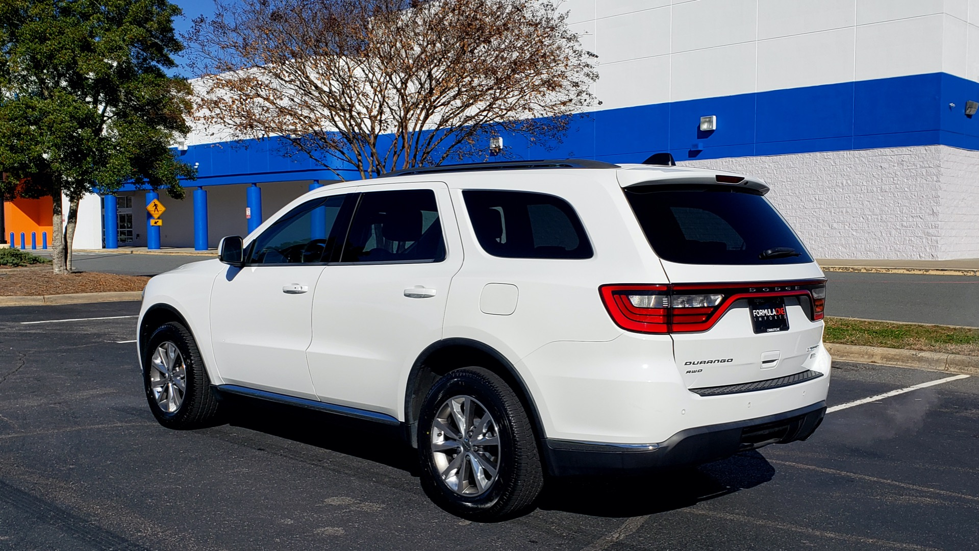 Used 2015 Dodge DURANGO LIMITED AWD / 3.6L V6 / 8-SPD AUTO / 3-ROW / REARVIEW for sale Sold at Formula Imports in Charlotte NC 28227 3