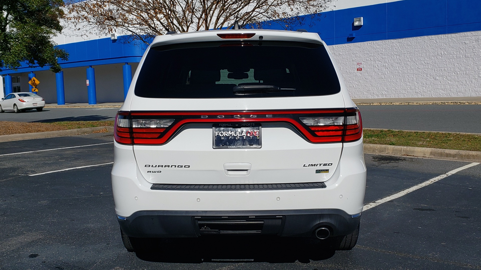 Used 2015 Dodge DURANGO LIMITED AWD / 3.6L V6 / 8-SPD AUTO / 3-ROW / REARVIEW for sale Sold at Formula Imports in Charlotte NC 28227 31