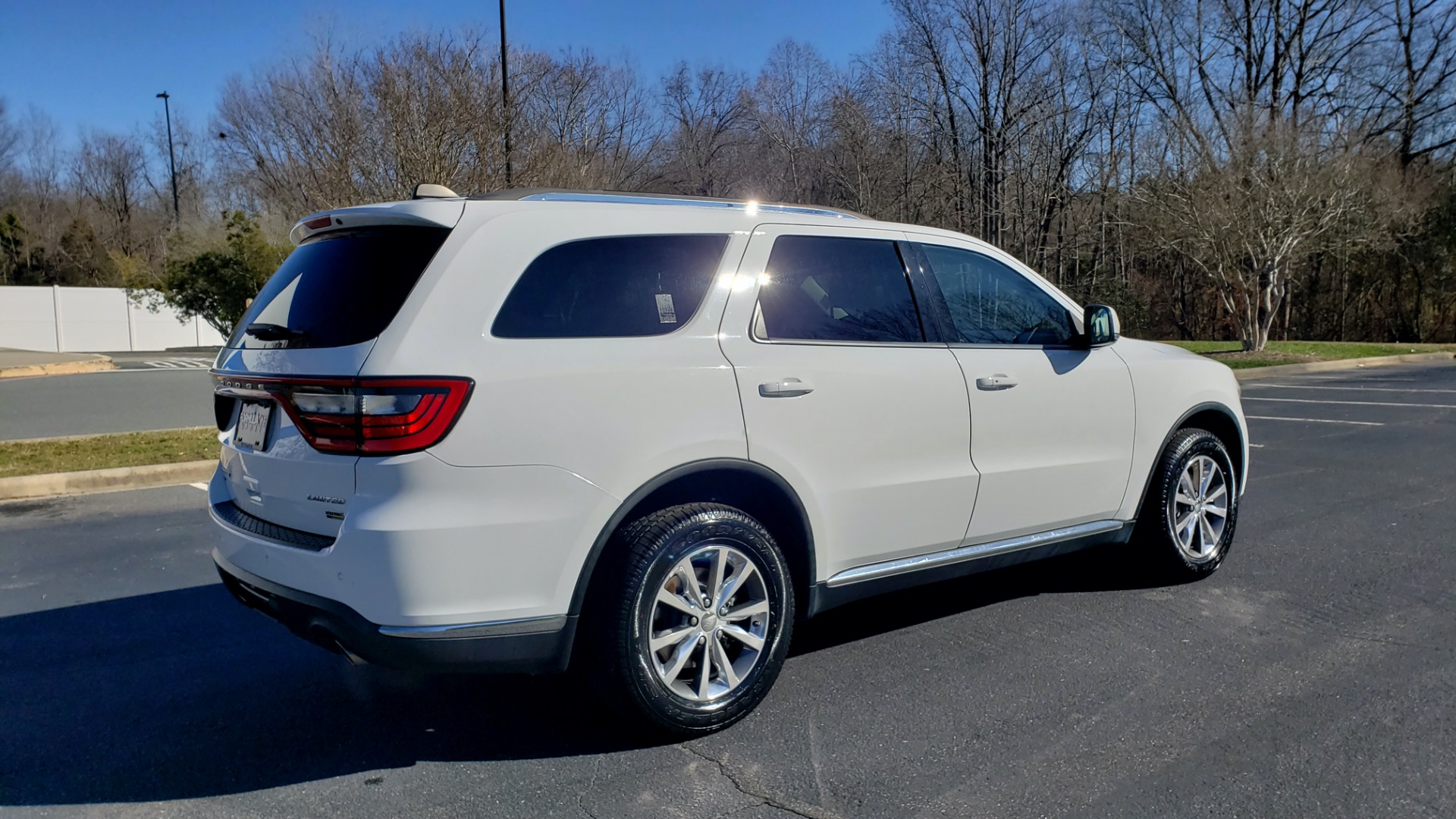 Used 2015 Dodge DURANGO LIMITED AWD / 3.6L V6 / 8-SPD AUTO / 3-ROW / REARVIEW for sale Sold at Formula Imports in Charlotte NC 28227 9