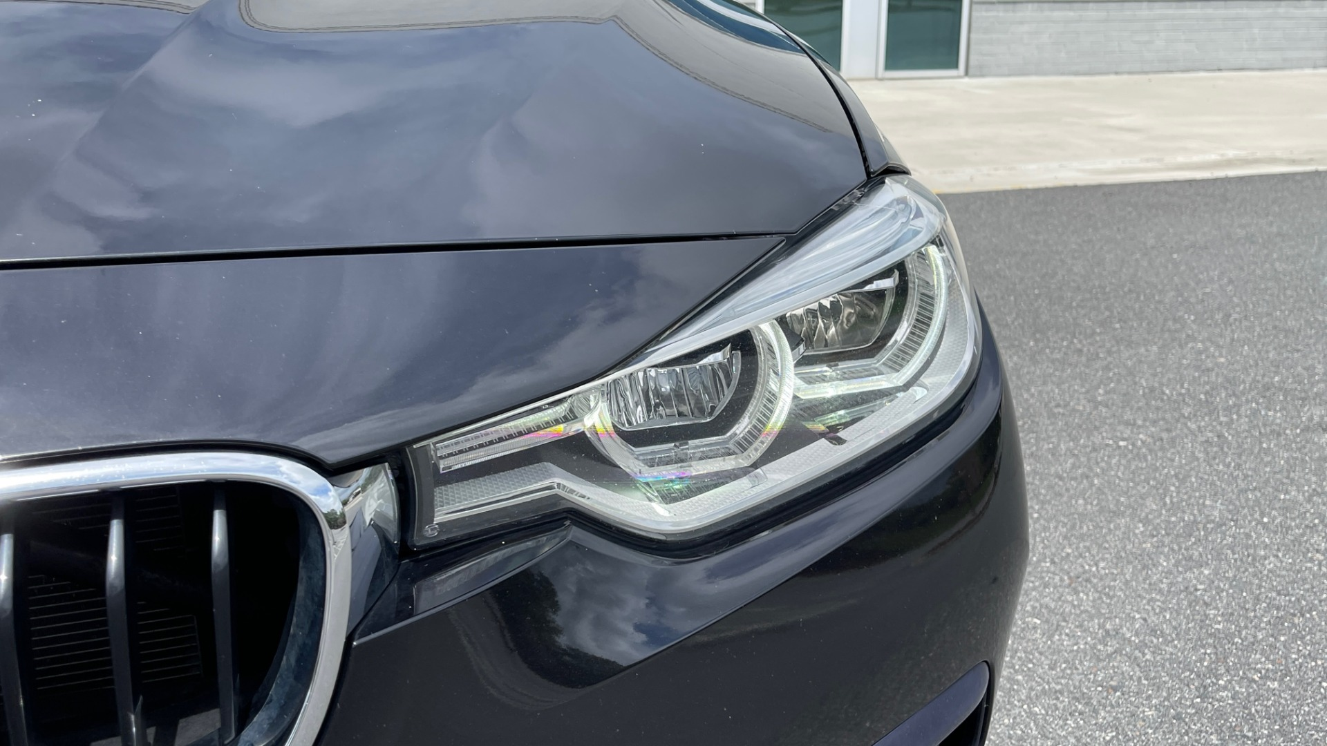 Used 2018 BMW 3 SERIES 330IXDRIVE / NAV / CONV PKG / ABSD / SUNROOF / REARVIEW for sale $29,599 at Formula Imports in Charlotte NC 28227 13