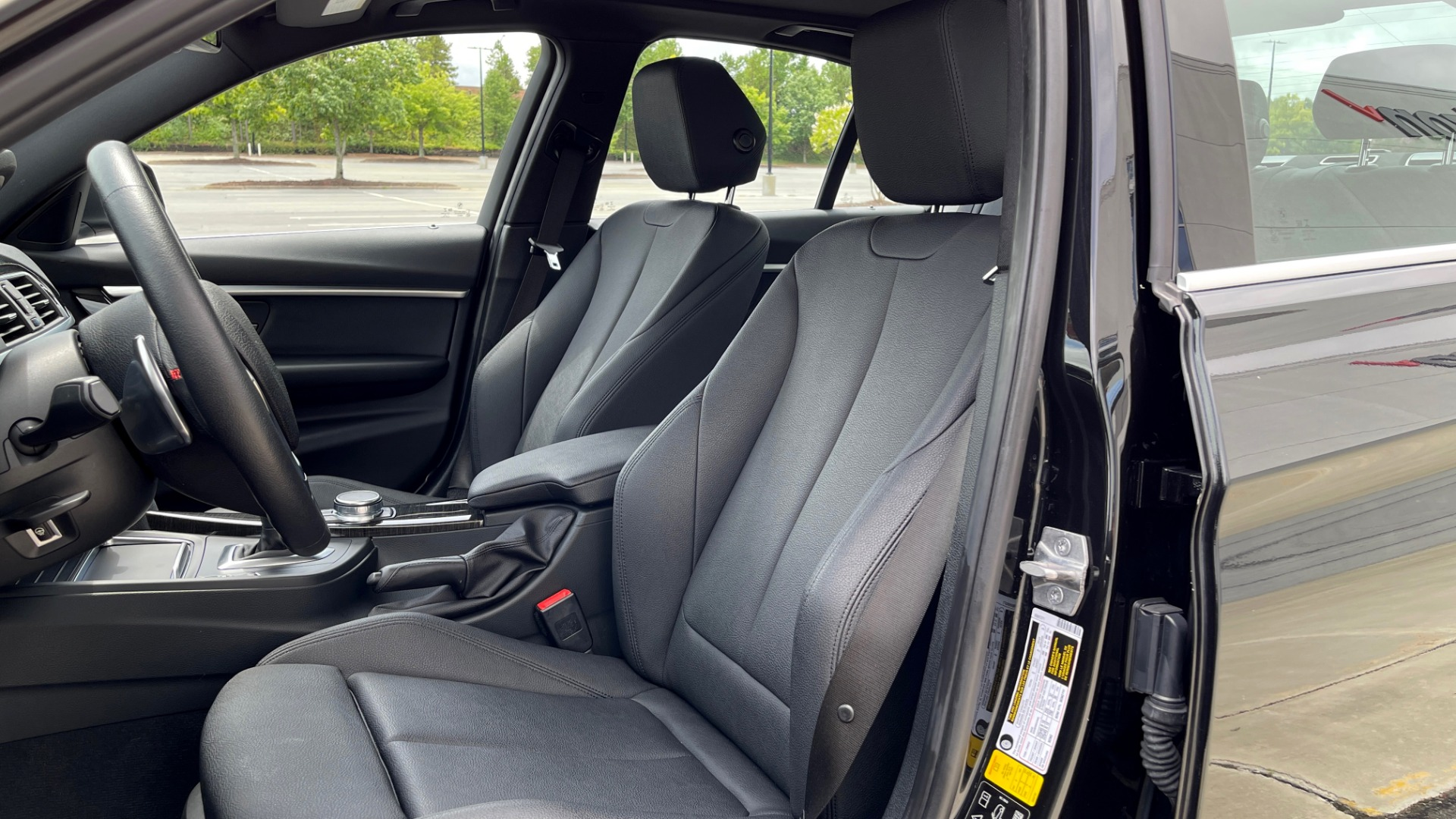 Used 2018 BMW 3 SERIES 330IXDRIVE / NAV / CONV PKG / ABSD / SUNROOF / REARVIEW for sale $29,599 at Formula Imports in Charlotte NC 28227 27