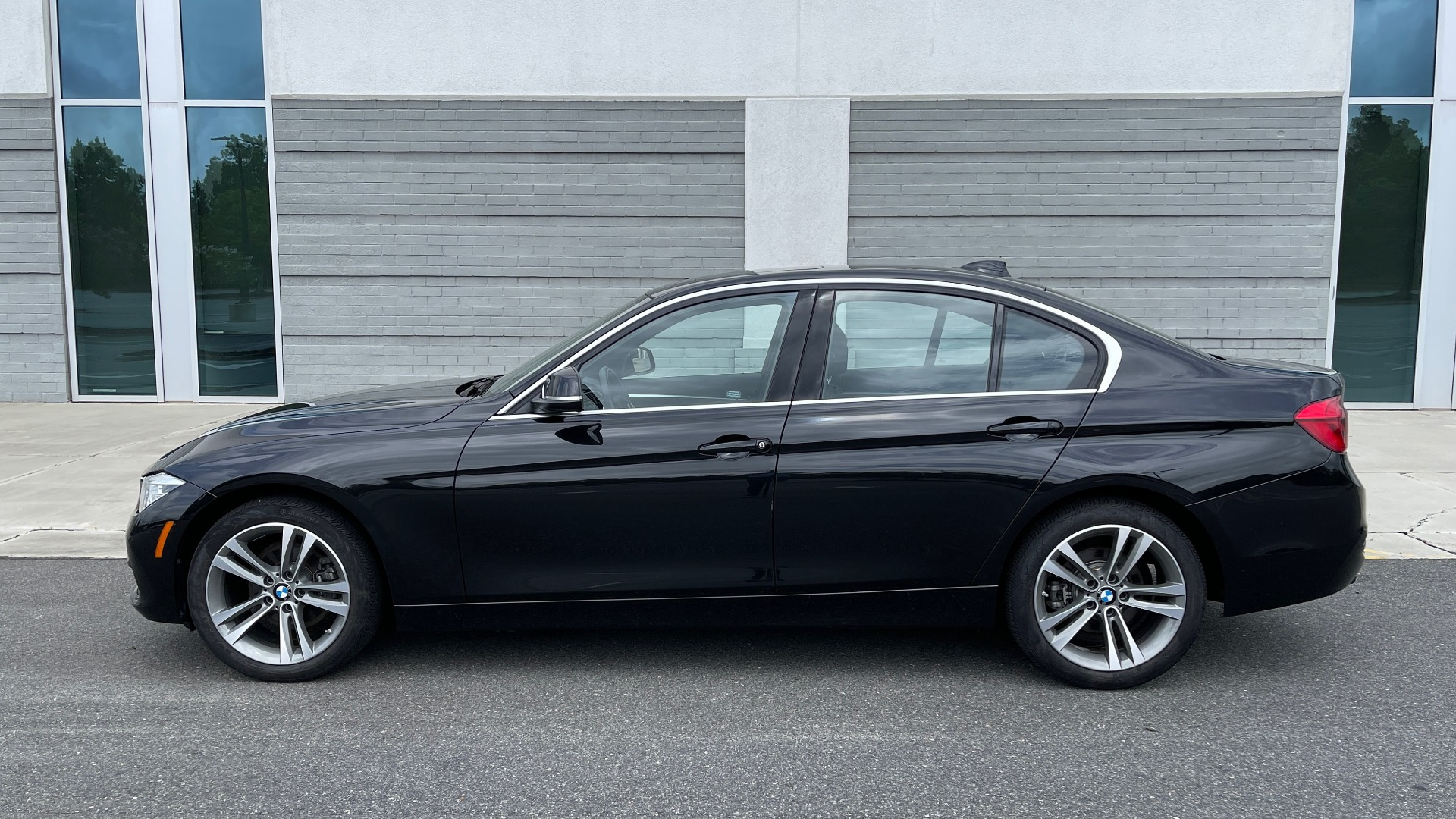 Used 2018 BMW 3 SERIES 330IXDRIVE / NAV / CONV PKG / ABSD / SUNROOF / REARVIEW for sale $29,599 at Formula Imports in Charlotte NC 28227 4