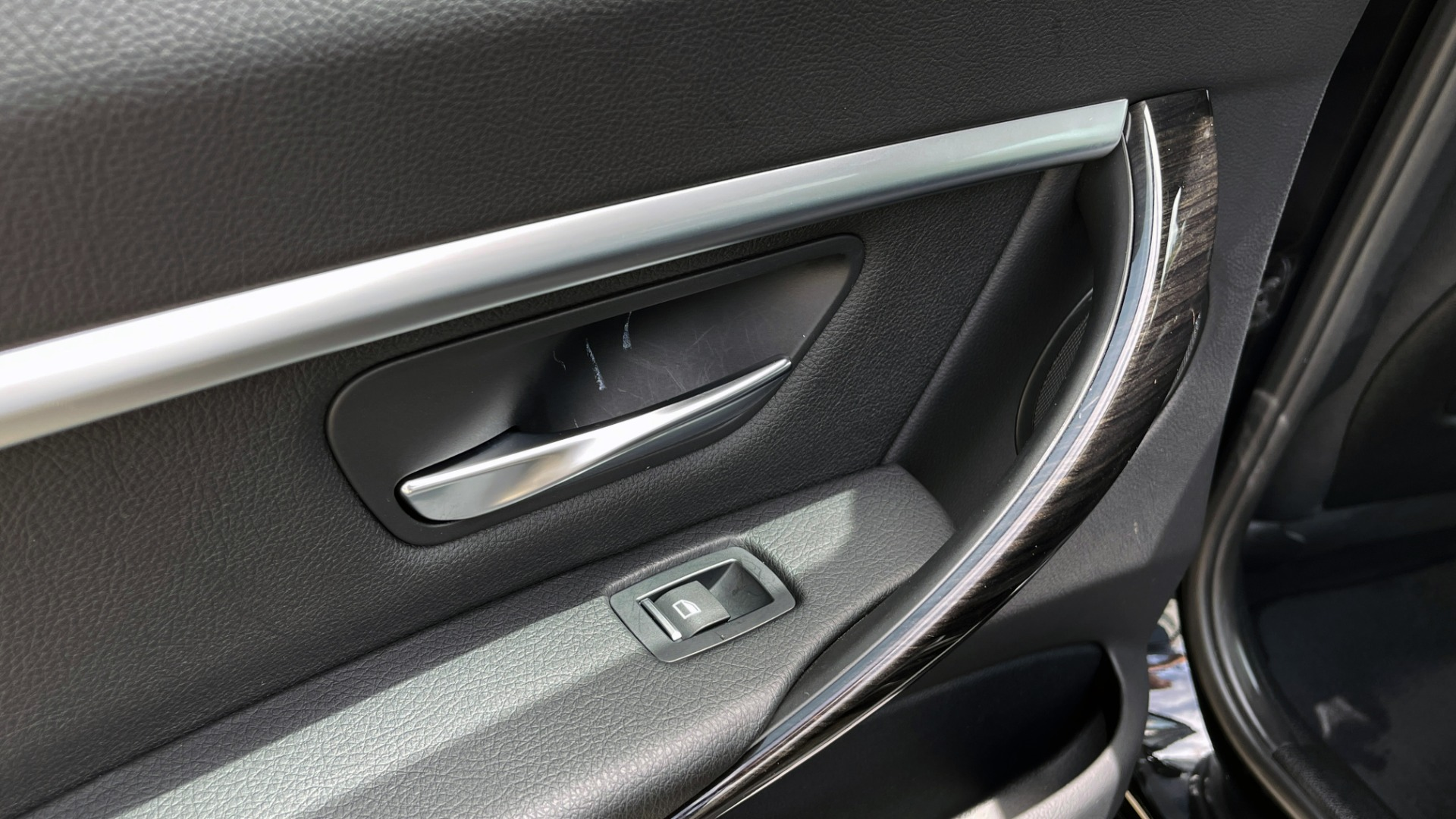 Used 2018 BMW 3 SERIES 330IXDRIVE / NAV / CONV PKG / ABSD / SUNROOF / REARVIEW for sale $29,599 at Formula Imports in Charlotte NC 28227 49