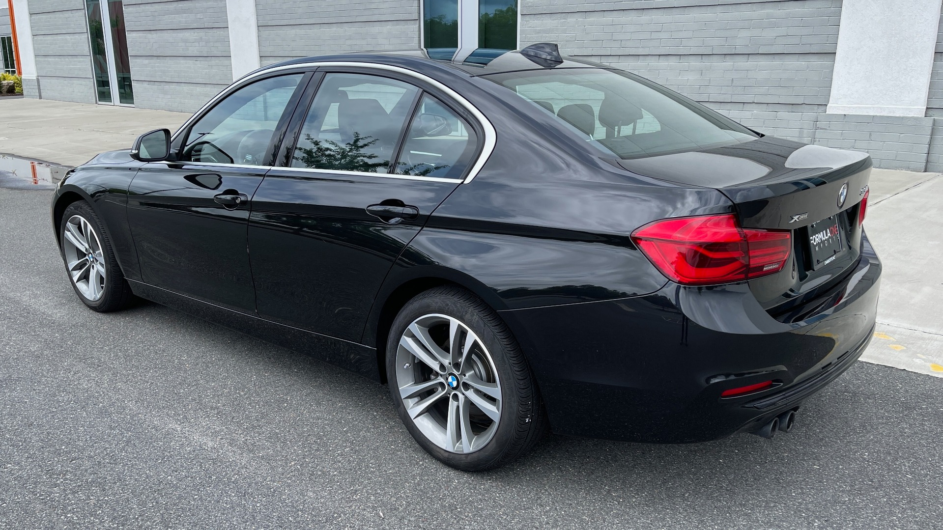 Used 2018 BMW 3 SERIES 330IXDRIVE / NAV / CONV PKG / ABSD / SUNROOF / REARVIEW for sale $29,599 at Formula Imports in Charlotte NC 28227 5