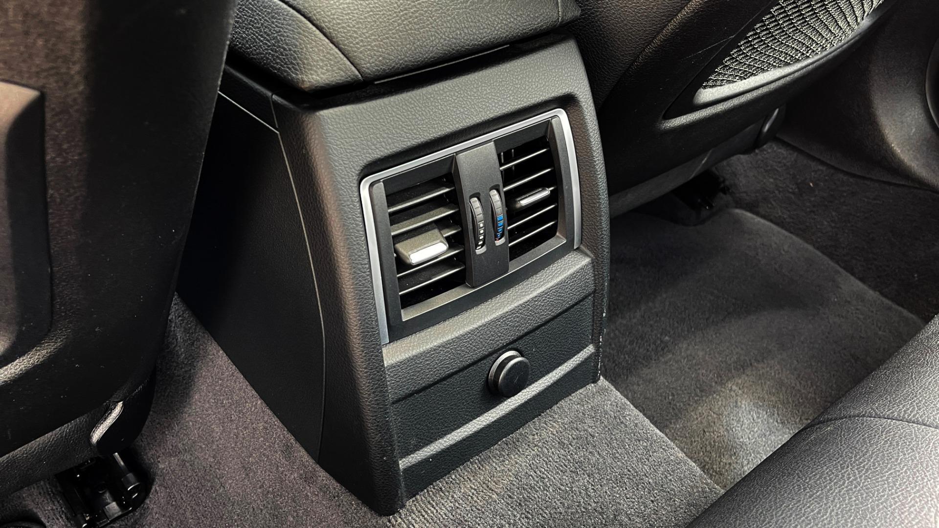 Used 2018 BMW 3 SERIES 330IXDRIVE / NAV / CONV PKG / ABSD / SUNROOF / REARVIEW for sale $29,599 at Formula Imports in Charlotte NC 28227 52