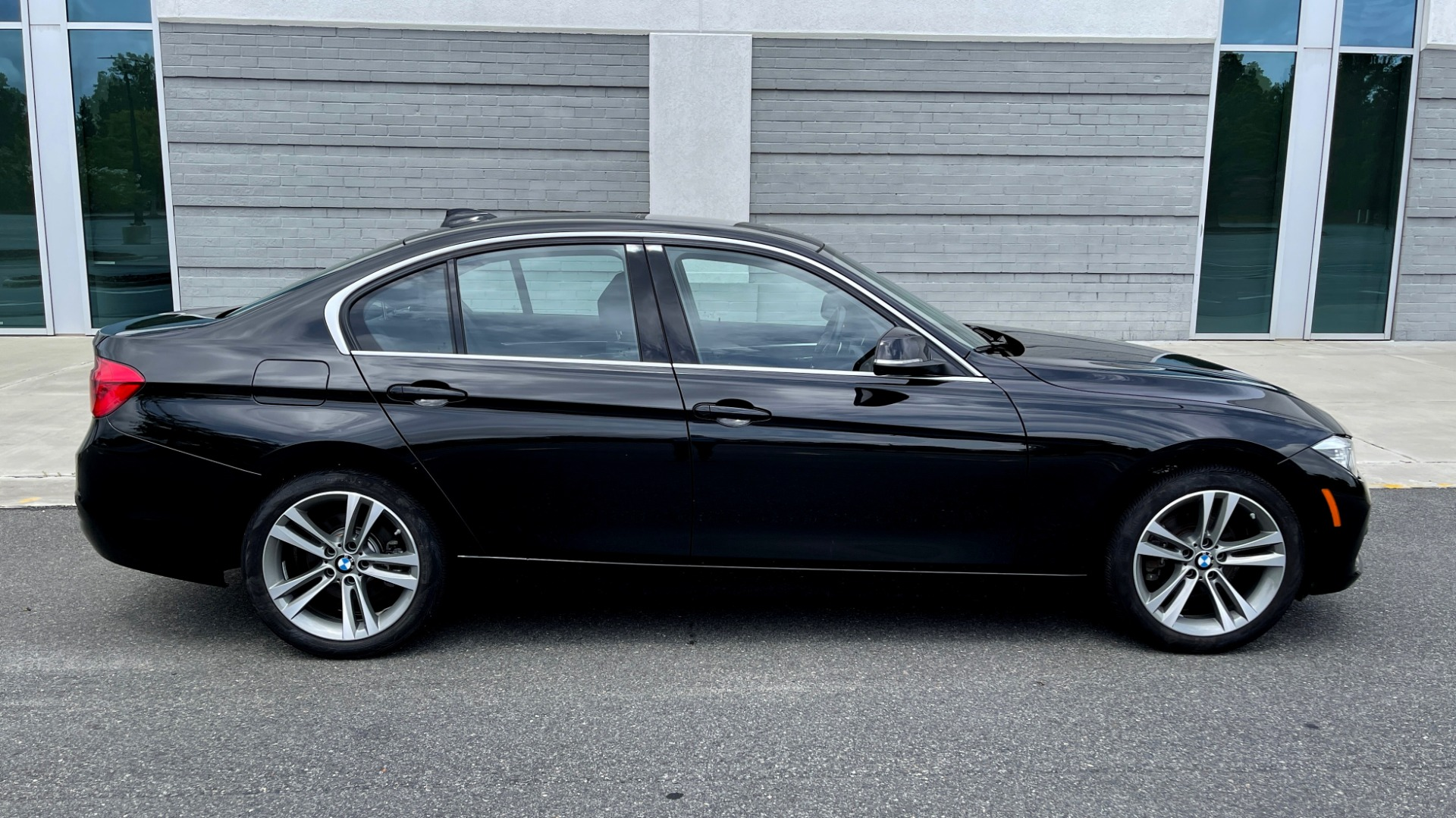 Used 2018 BMW 3 SERIES 330IXDRIVE / NAV / CONV PKG / ABSD / SUNROOF / REARVIEW for sale $29,599 at Formula Imports in Charlotte NC 28227 6