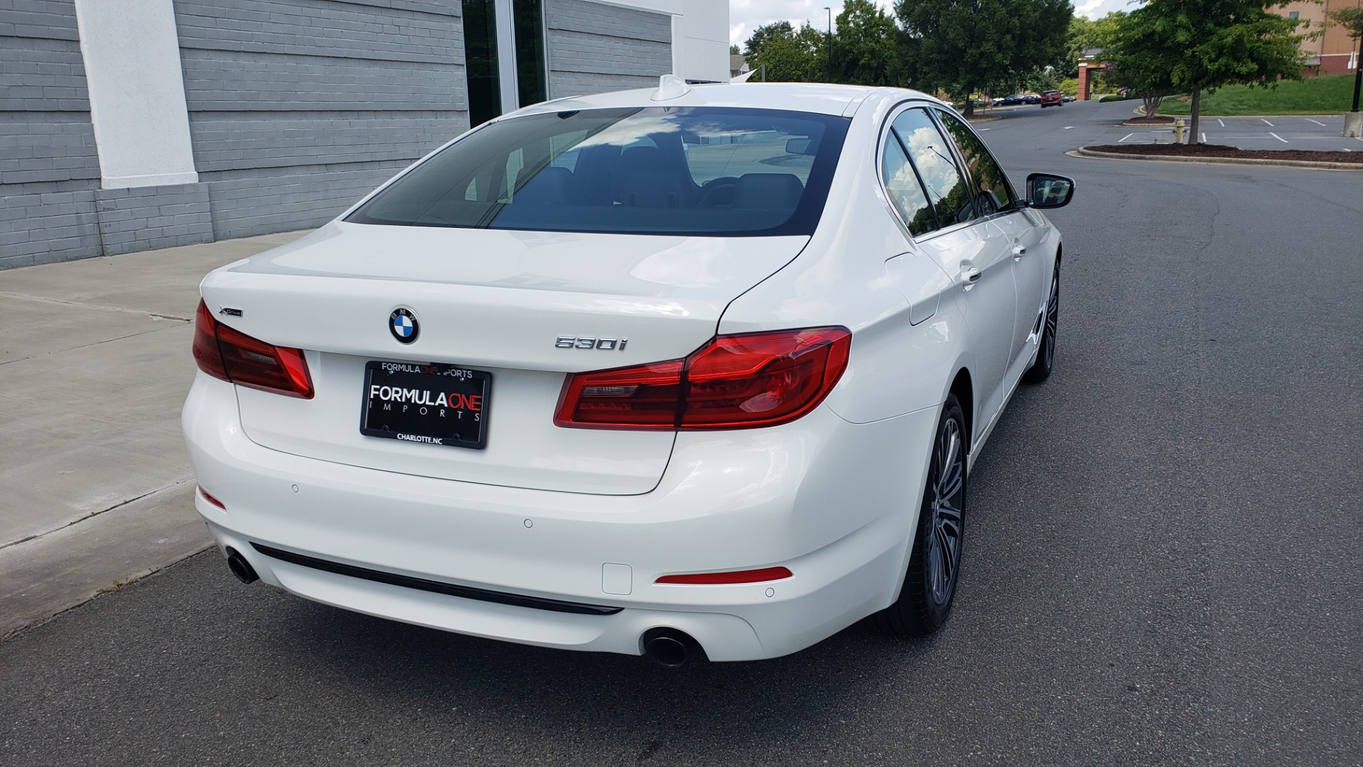 Used 2018 BMW 5 SERIES 530I XDRIVE PREMIUM / PARK ASST / NAV / SUNROOF / REARIEW for sale $37,795 at Formula Imports in Charlotte NC 28227 2