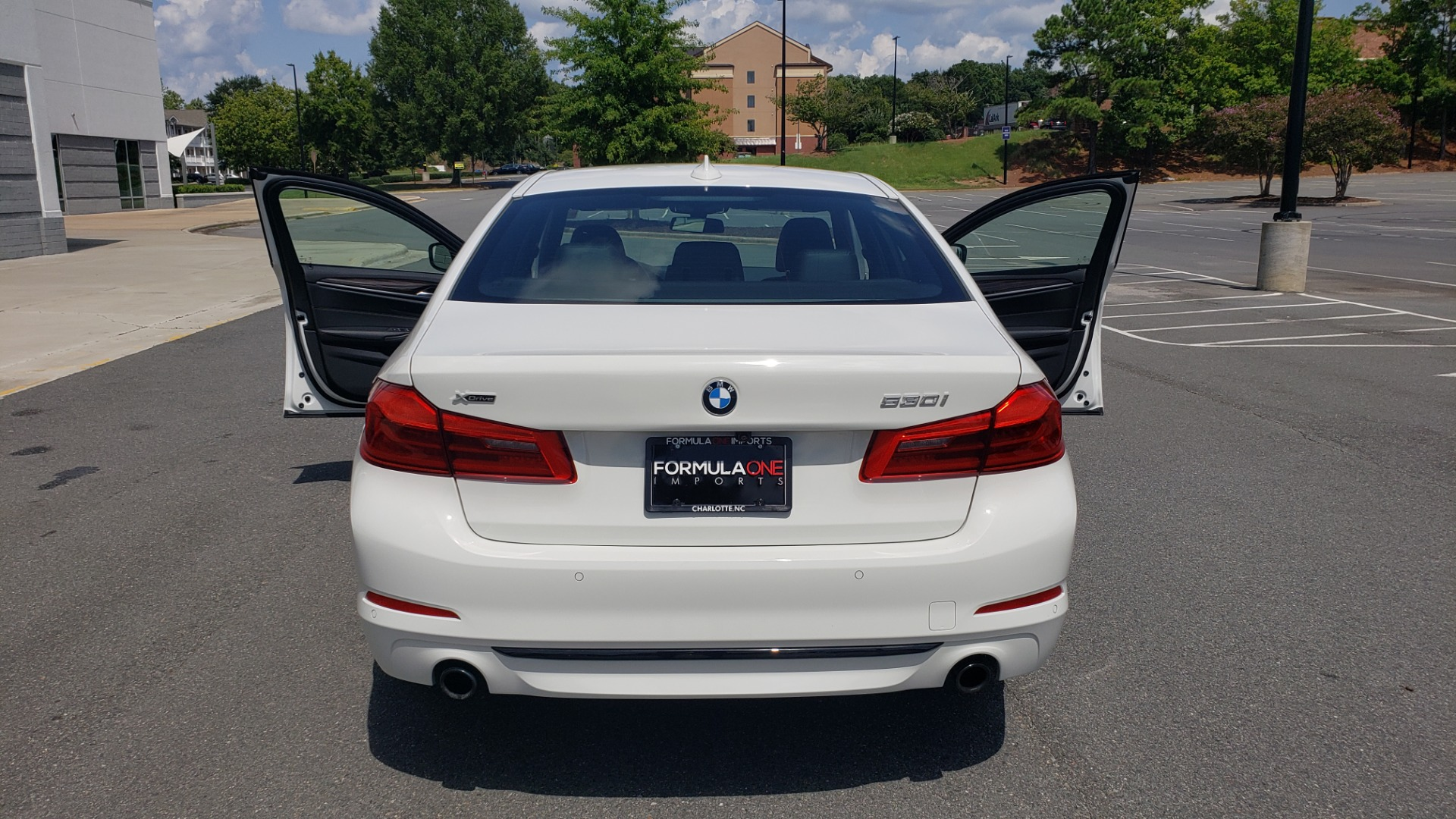 Used 2018 BMW 5 SERIES 530I XDRIVE PREMIUM / PARK ASST / NAV / SUNROOF / REARIEW for sale $37,795 at Formula Imports in Charlotte NC 28227 25