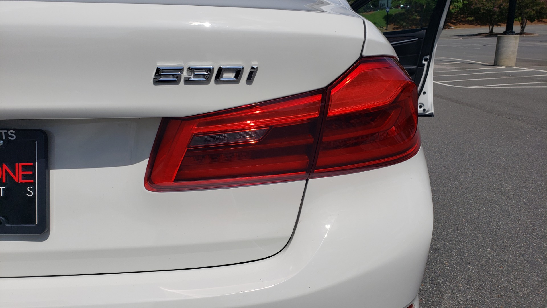 Used 2018 BMW 5 SERIES 530I XDRIVE PREMIUM / PARK ASST / NAV / SUNROOF / REARIEW for sale $37,795 at Formula Imports in Charlotte NC 28227 27