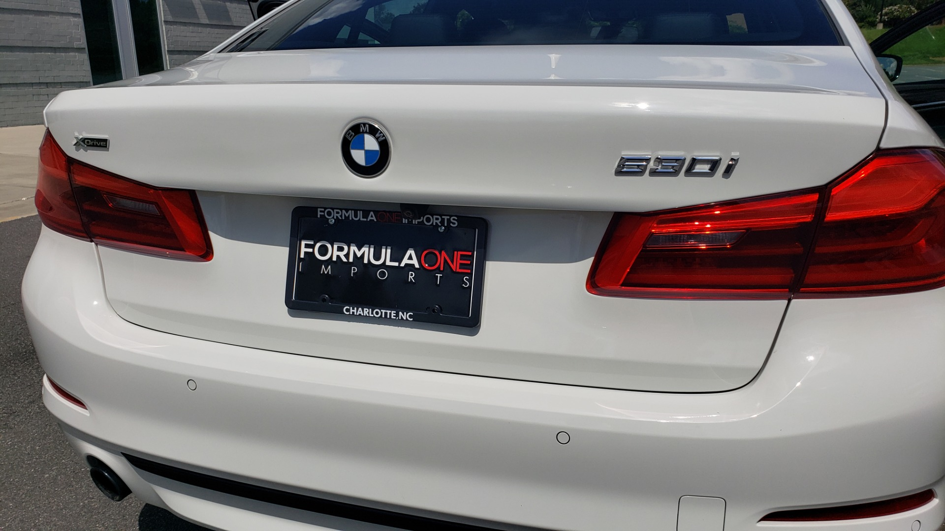 Used 2018 BMW 5 SERIES 530I XDRIVE PREMIUM / PARK ASST / NAV / SUNROOF / REARIEW for sale $37,795 at Formula Imports in Charlotte NC 28227 28