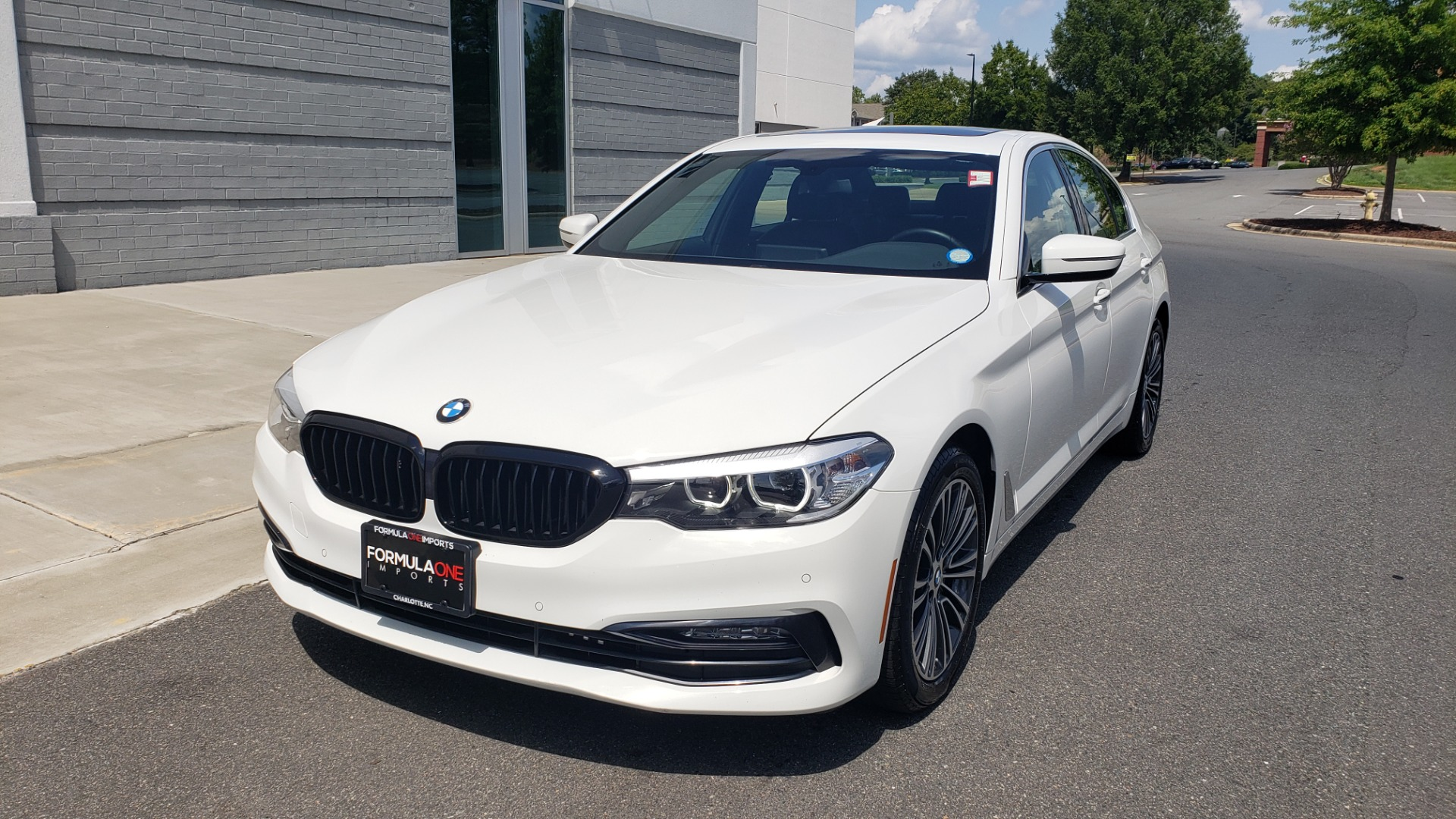 Used 2018 BMW 5 SERIES 530I XDRIVE PREMIUM / PARK ASST / NAV / SUNROOF / REARIEW for sale $37,795 at Formula Imports in Charlotte NC 28227 3