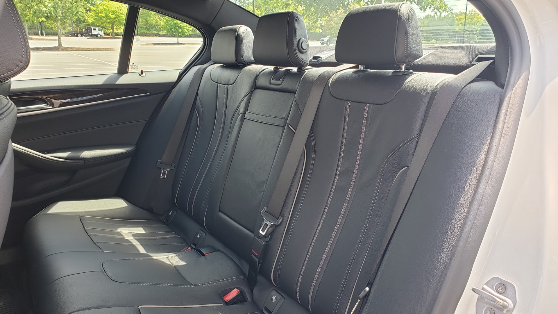 Used 2018 BMW 5 SERIES 530I XDRIVE PREMIUM / PARK ASST / NAV / SUNROOF / REARIEW for sale $37,795 at Formula Imports in Charlotte NC 28227 58